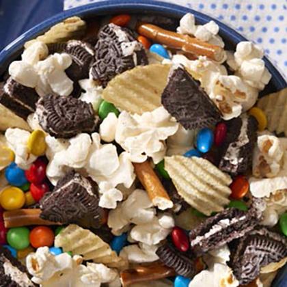 Nabisco OREO Field Goal Snack Mix [Ad]