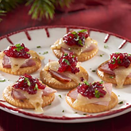 Nabisco RITZ Ham, Cheese & Cranberry Topper [Ad]
