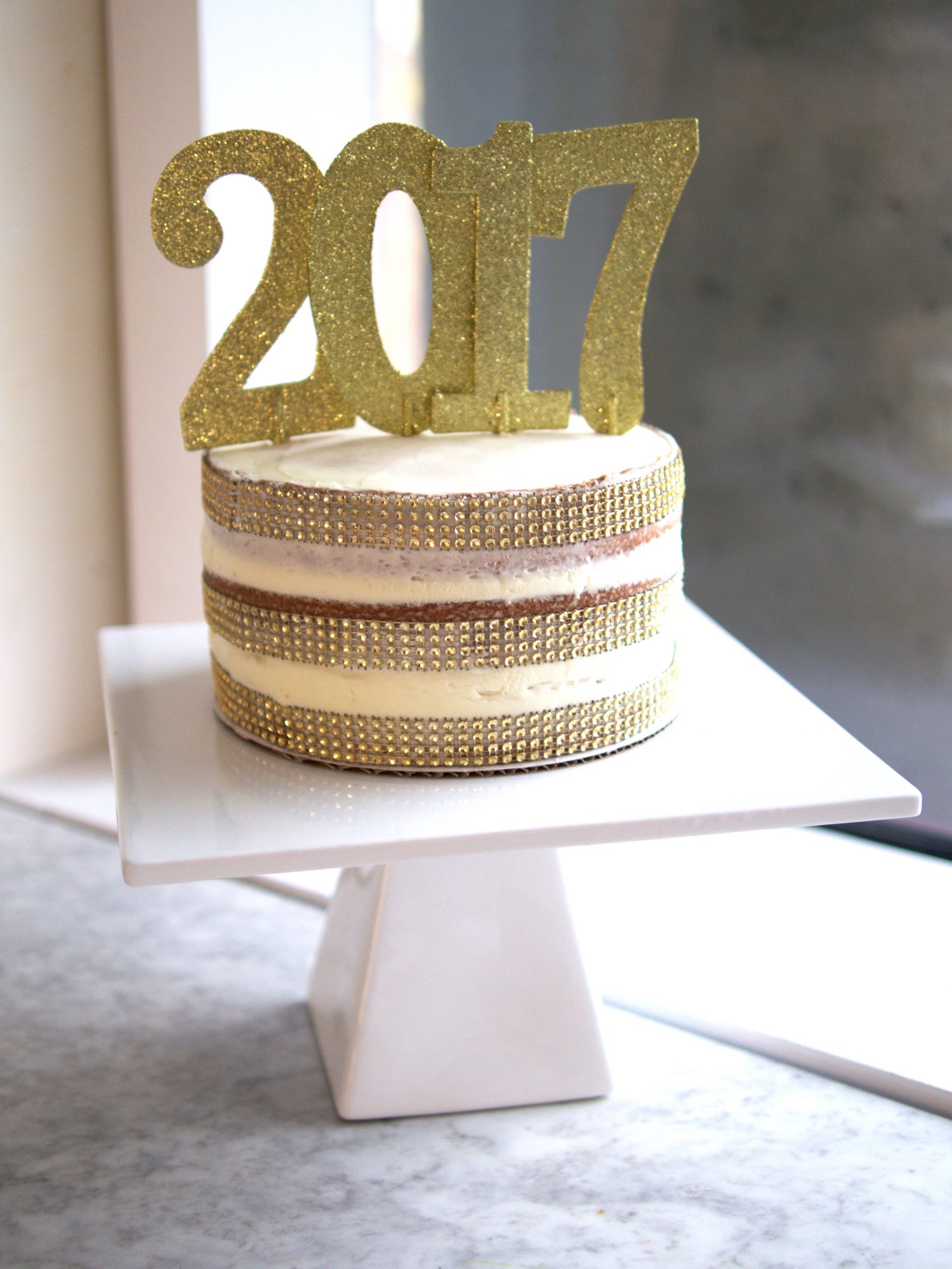 Bling in the New Year with aShow-Stopping NYE Sparkle Cake