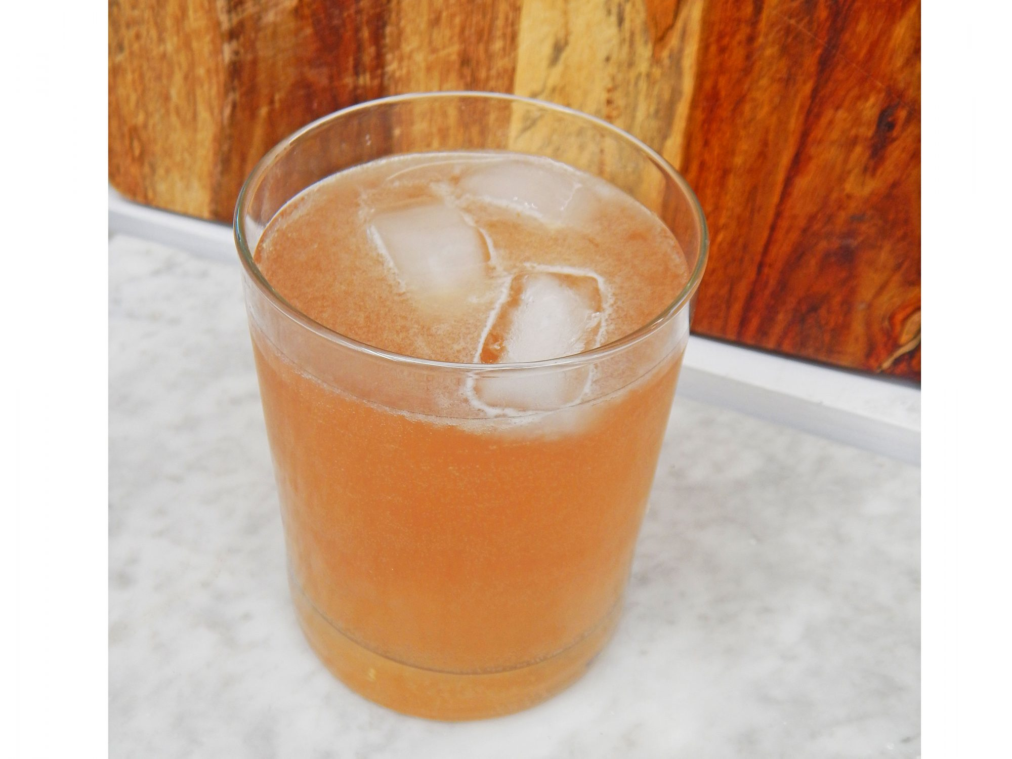 boozy-lavender-lemonade-recipe-image