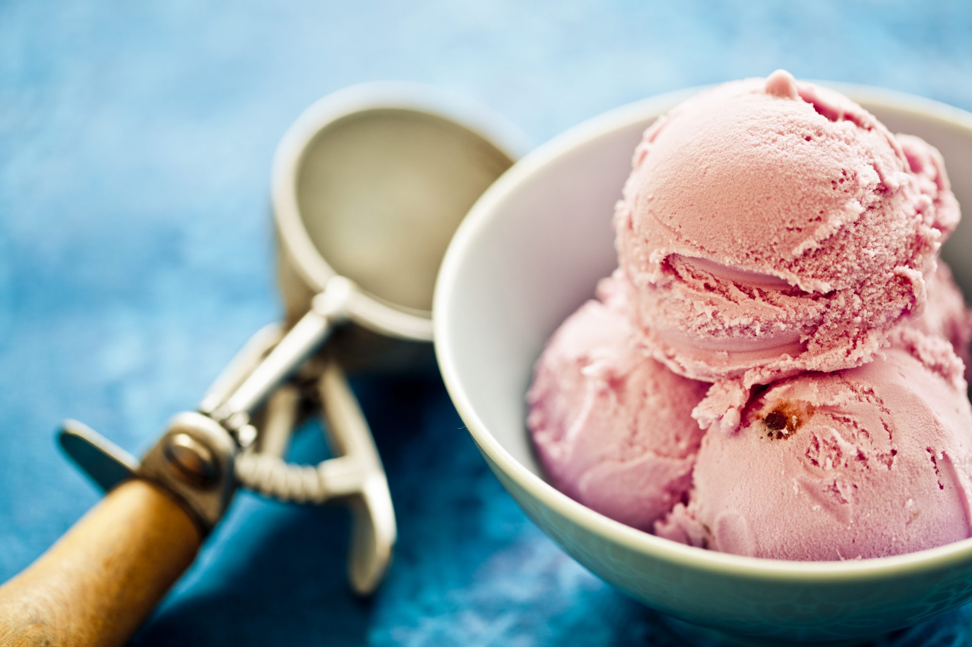 What's the Difference Between Ice Cream, Gelato, and Frozen Custard?