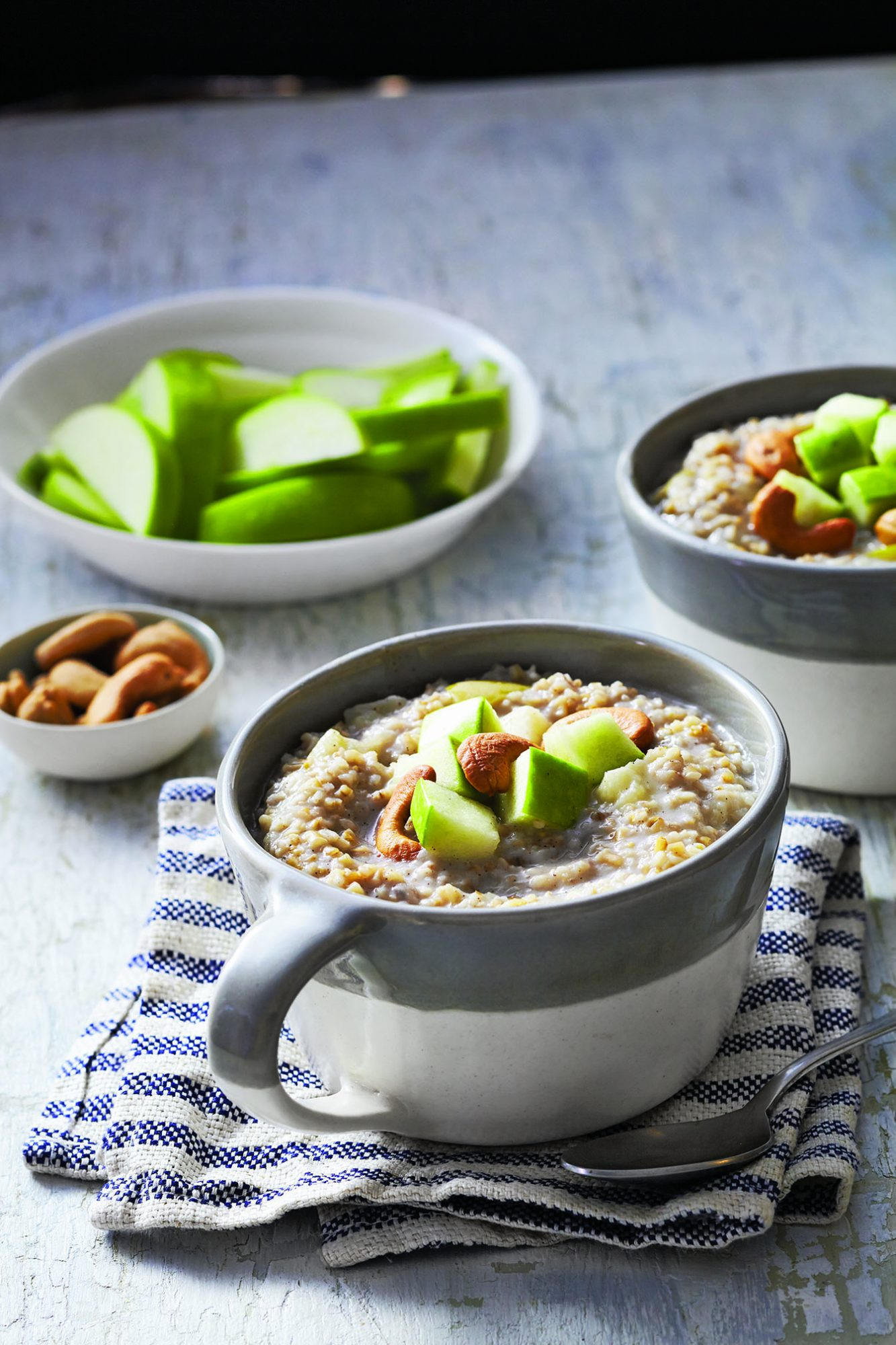 Steel-Cut Oatmeal with Apples