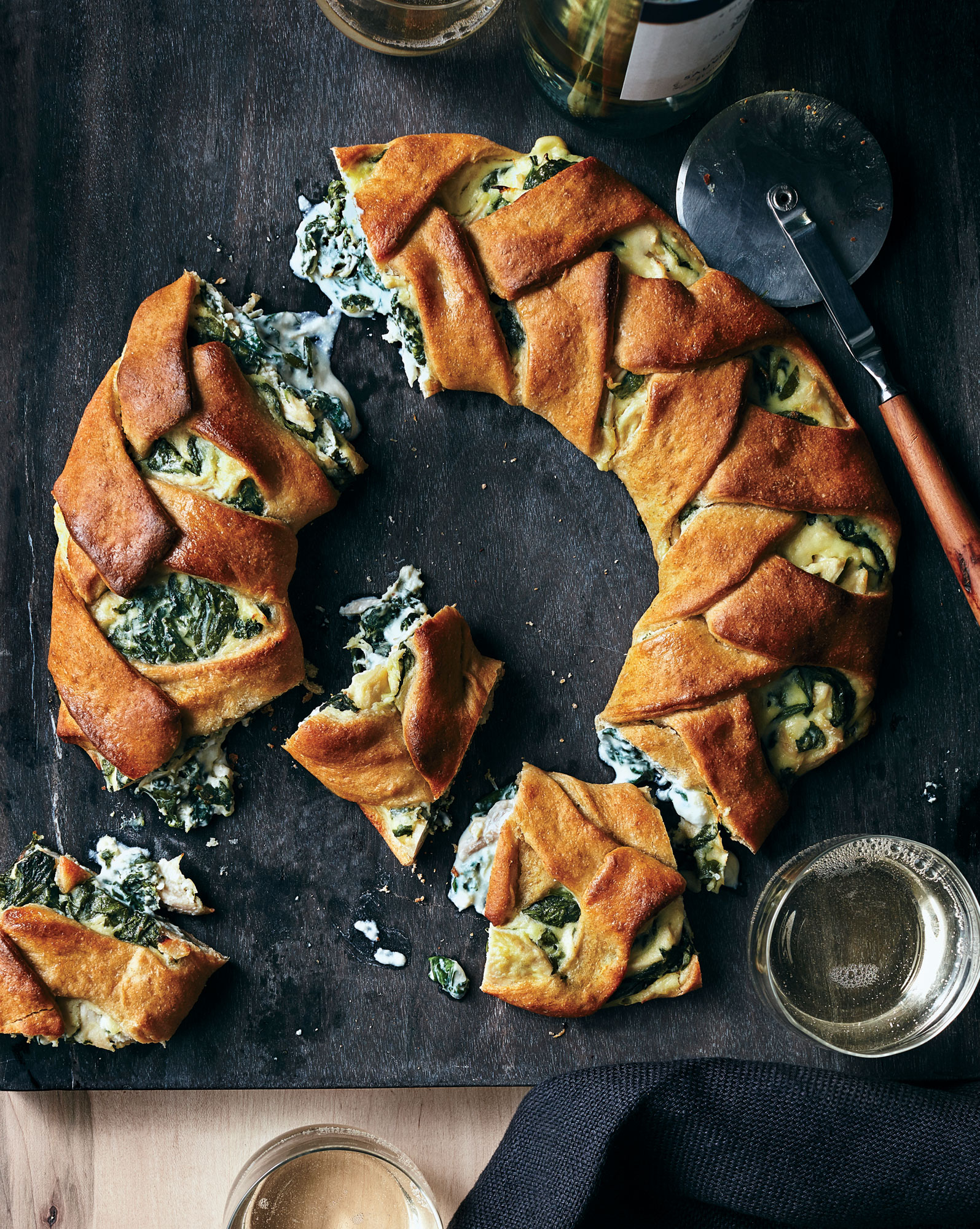 ck-Cheesy Chicken-and-Spinach Stromboli Ring