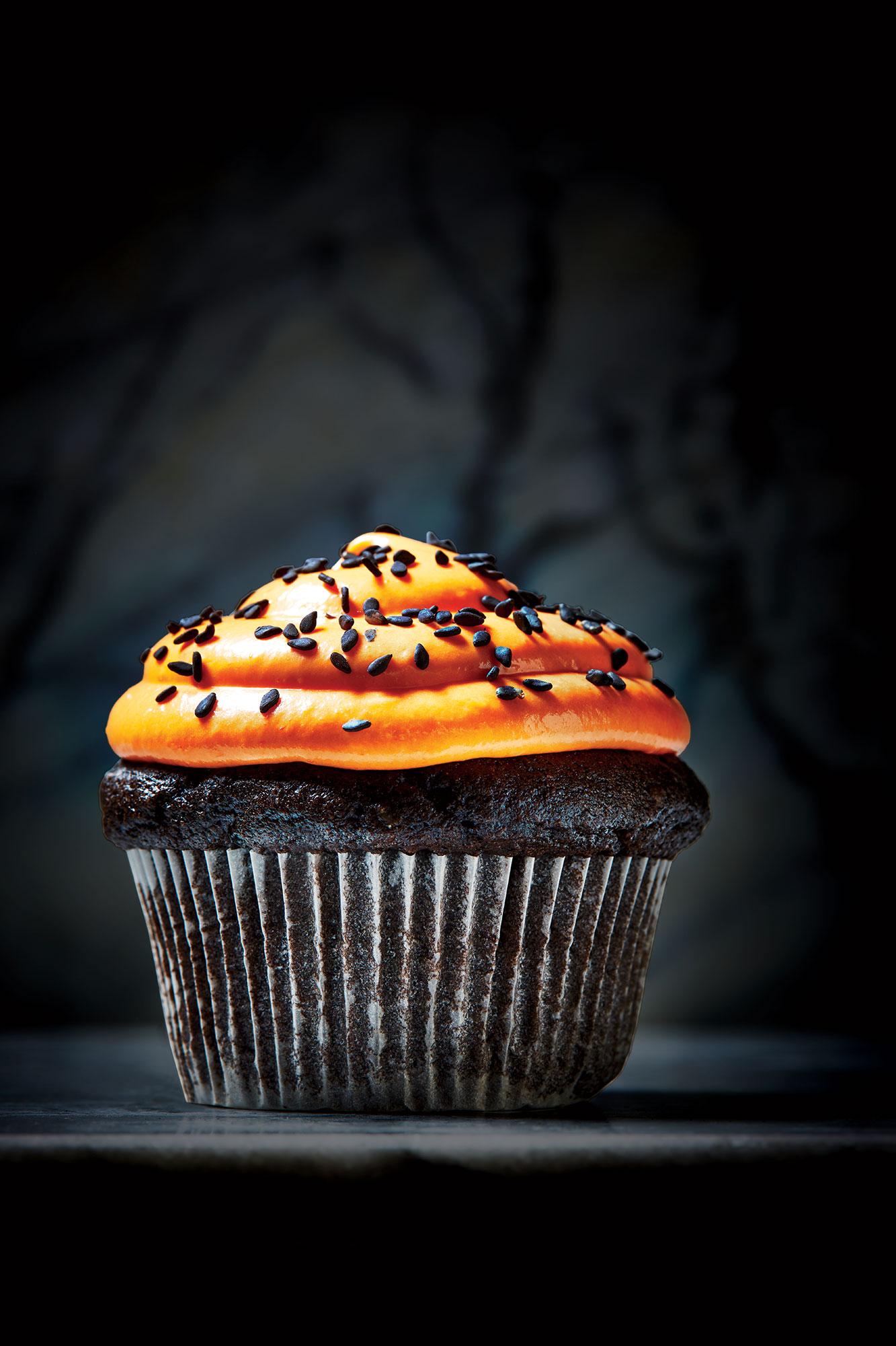 black-sesame-cupcakes