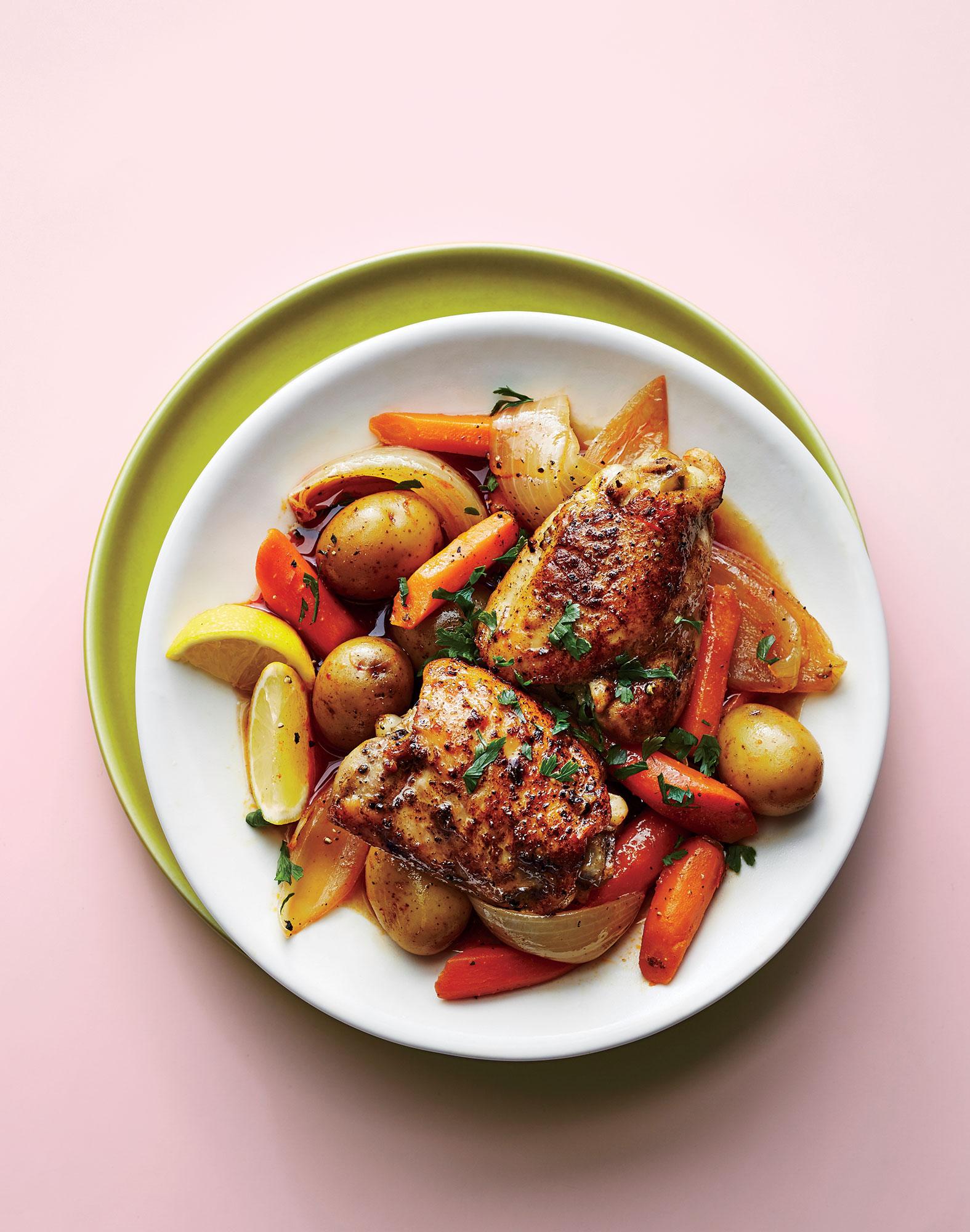 chicken-thighs-harissa-vegetables