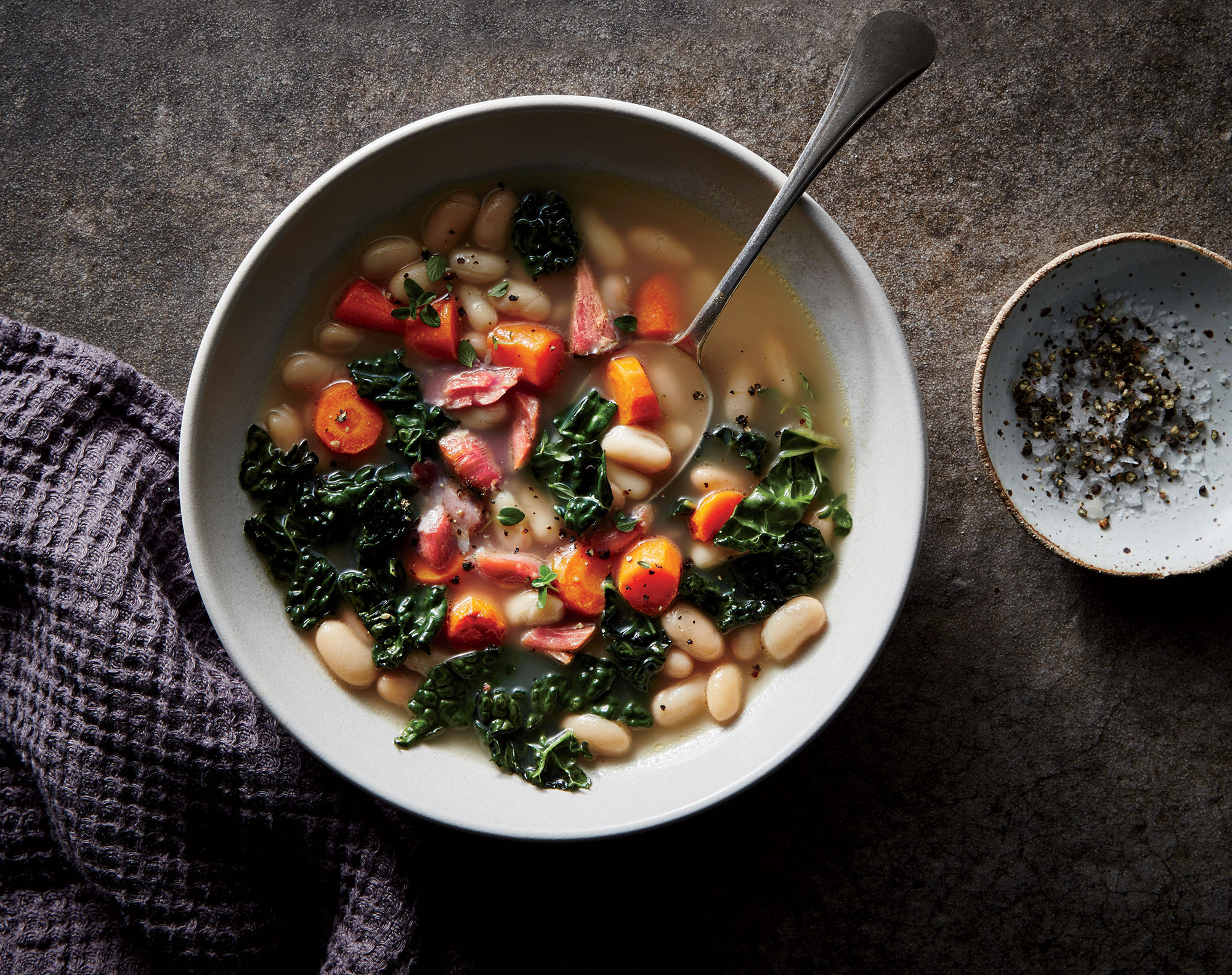 <p>Ham, Kale, and White Bean Soup</p>