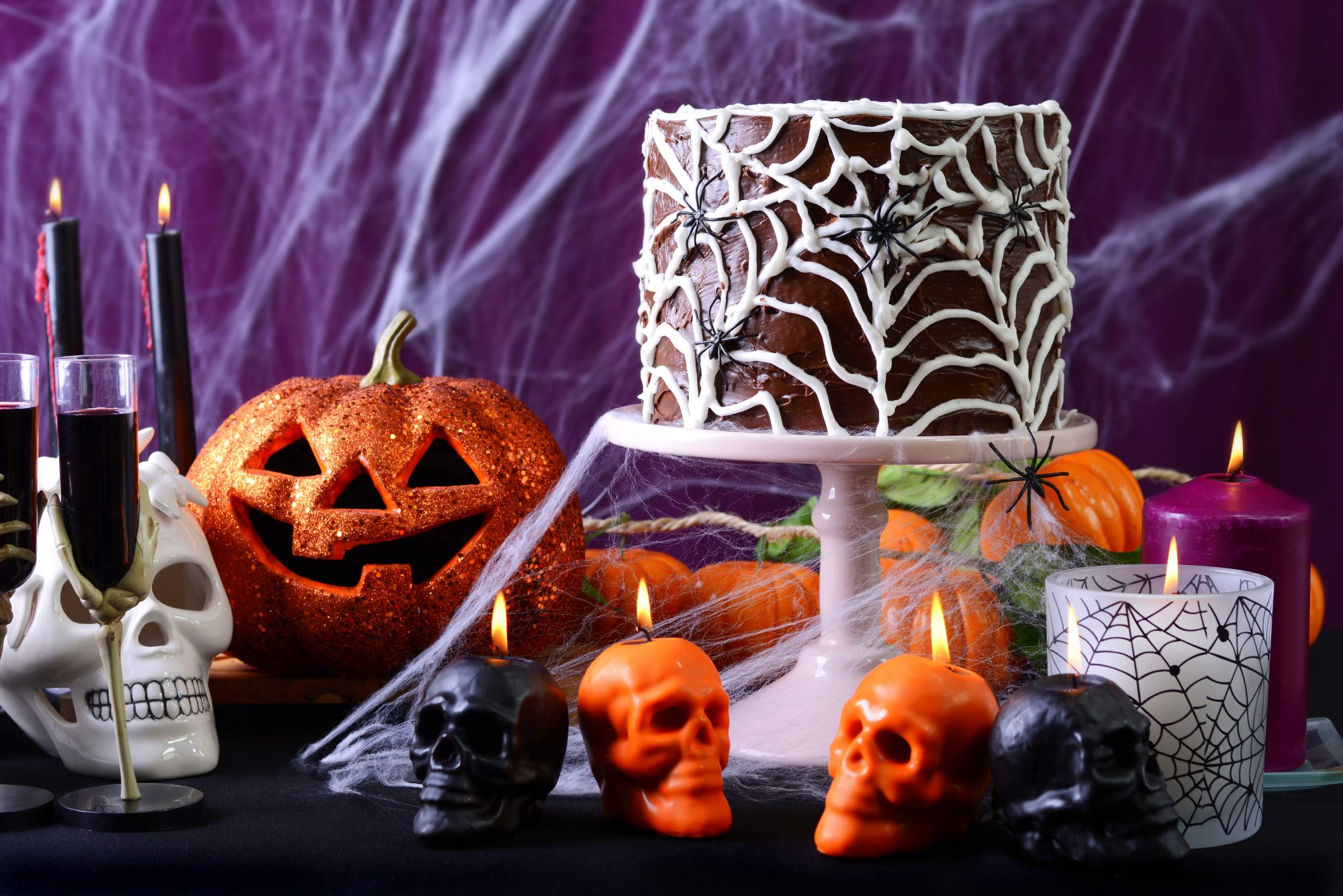 <p>Halloween Tablescape</p>
