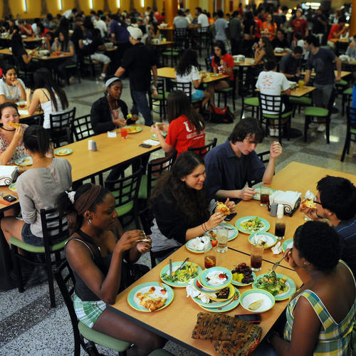 Everything You Need to Know About Eating Healthy in the College Dining Hall