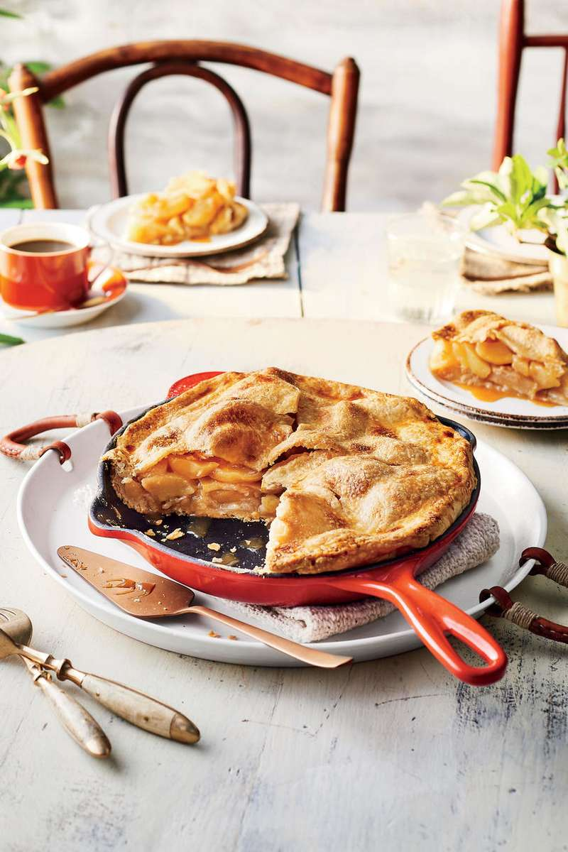 Skillet Caramel Apple Pie