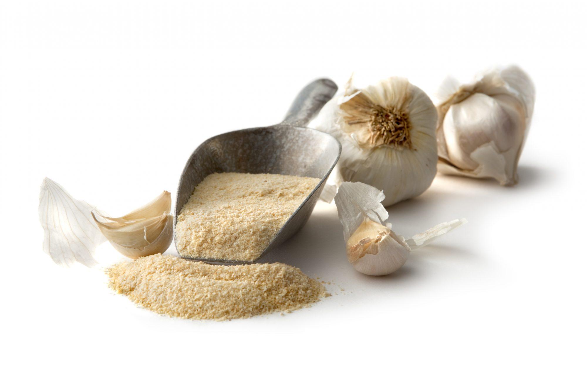 Fresh Garlic and Garlic Powder