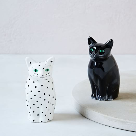 <p>Cat Salt and Pepper Shaker</p>