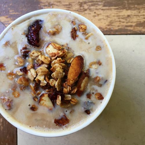 Oatmeal Lattes are the Perfect Caffeinated Breakfast Hybrid