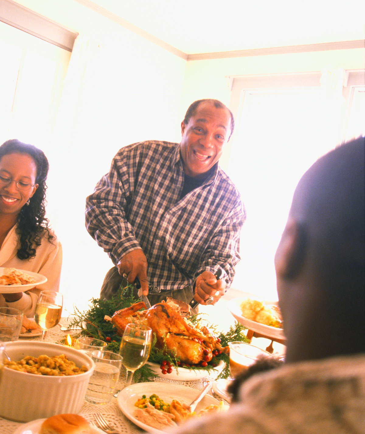 10 Totally Safe, Nonpolitical Topics to Discuss at Your Holiday Dinner