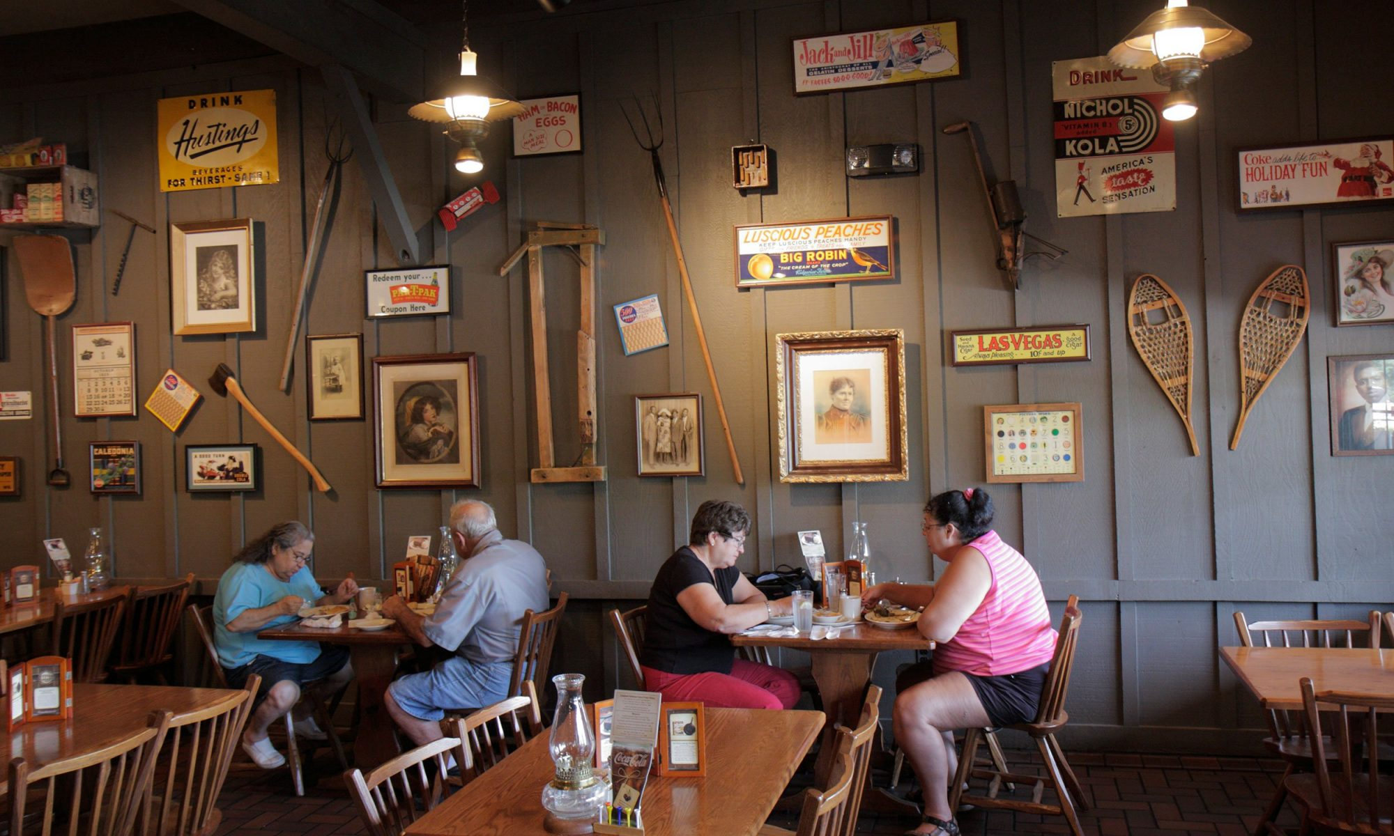 This Couple Shot Their Engagement Photos at a Cracker Barrel