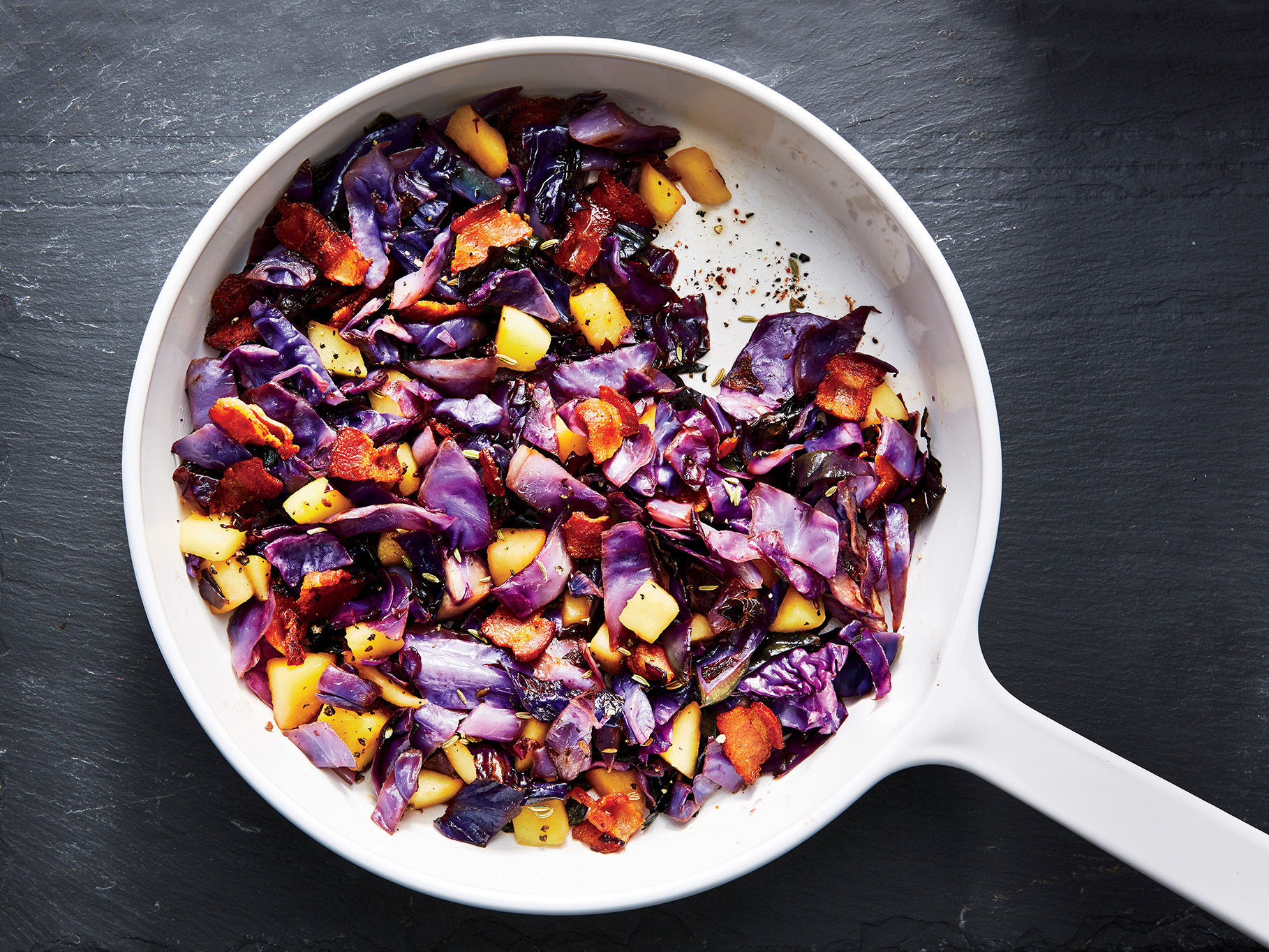 Bacon-and-Apple Braised Cabbage