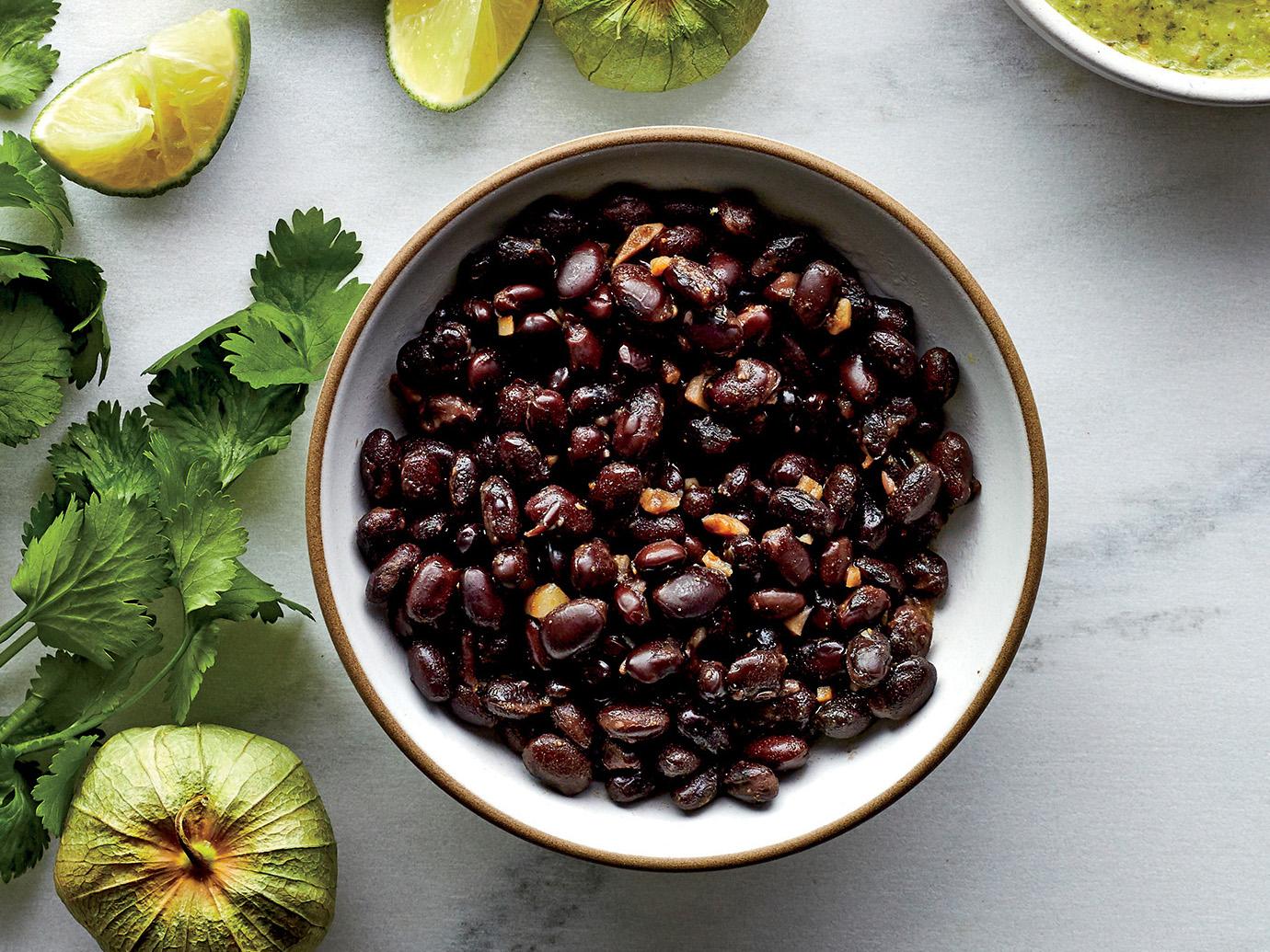 Easy Smoky Black Beans