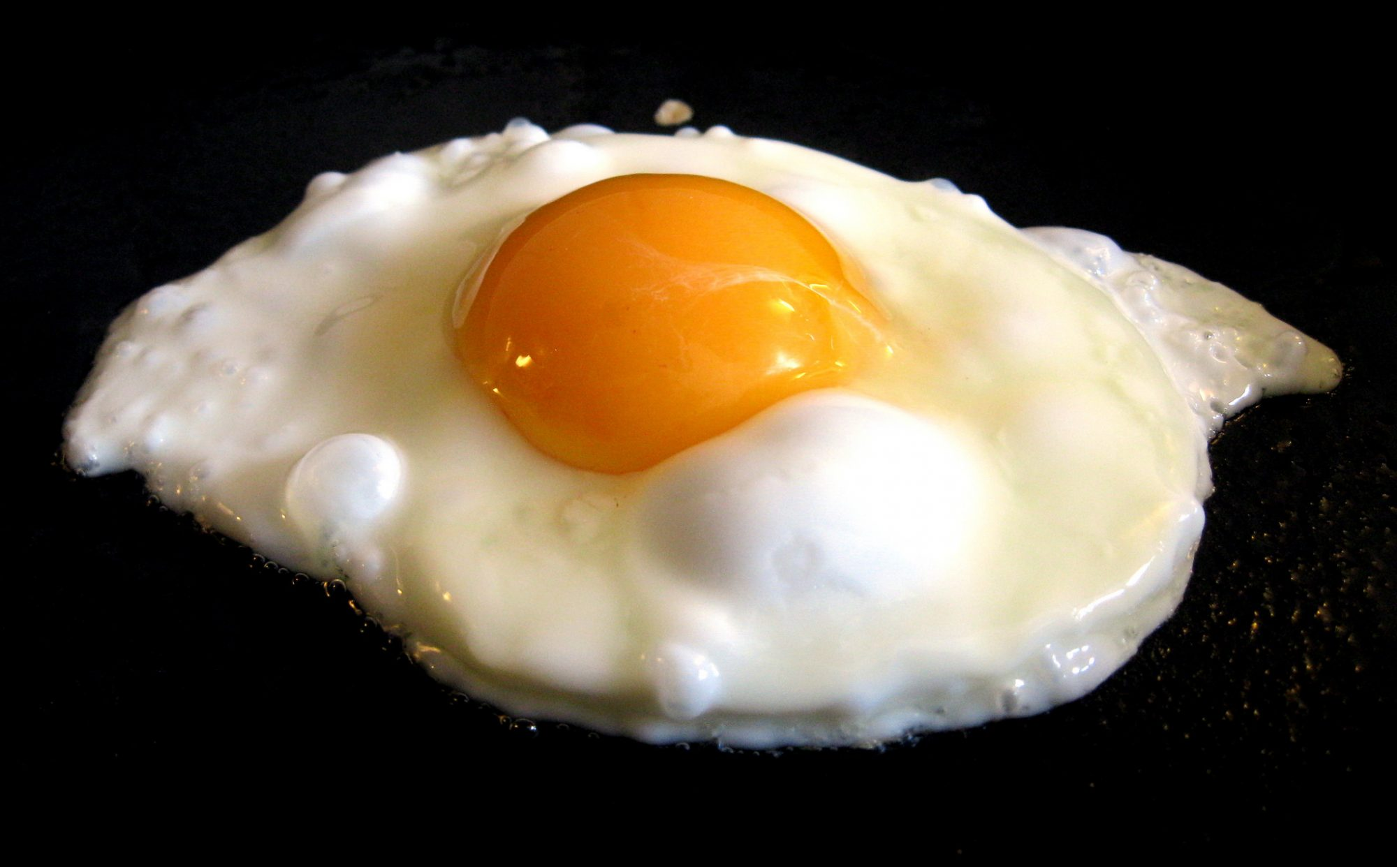 EC: No, Eggs Are Not As Bad As Cigarettes