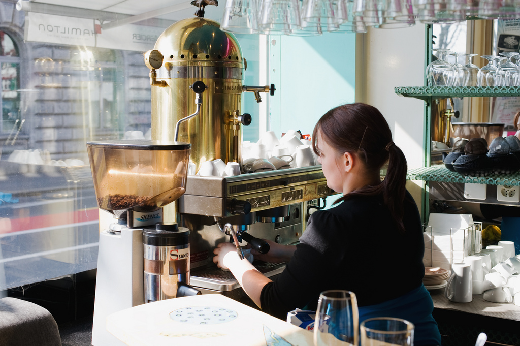 EC: England Might Issue 'Barista Visas' to Keep Cafes Open After Brexit