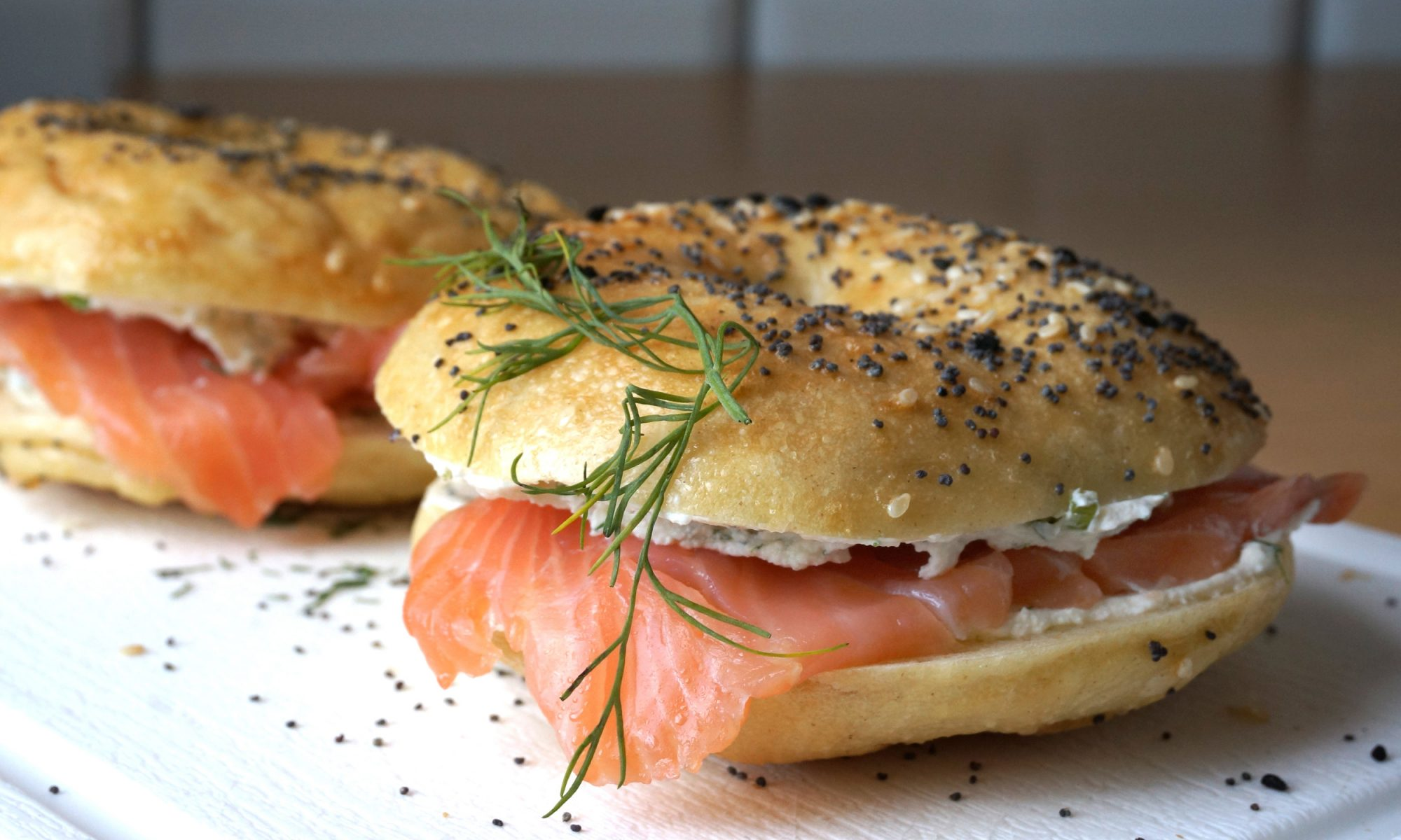 The Scoop on People Who Scoop Out Their Bagels