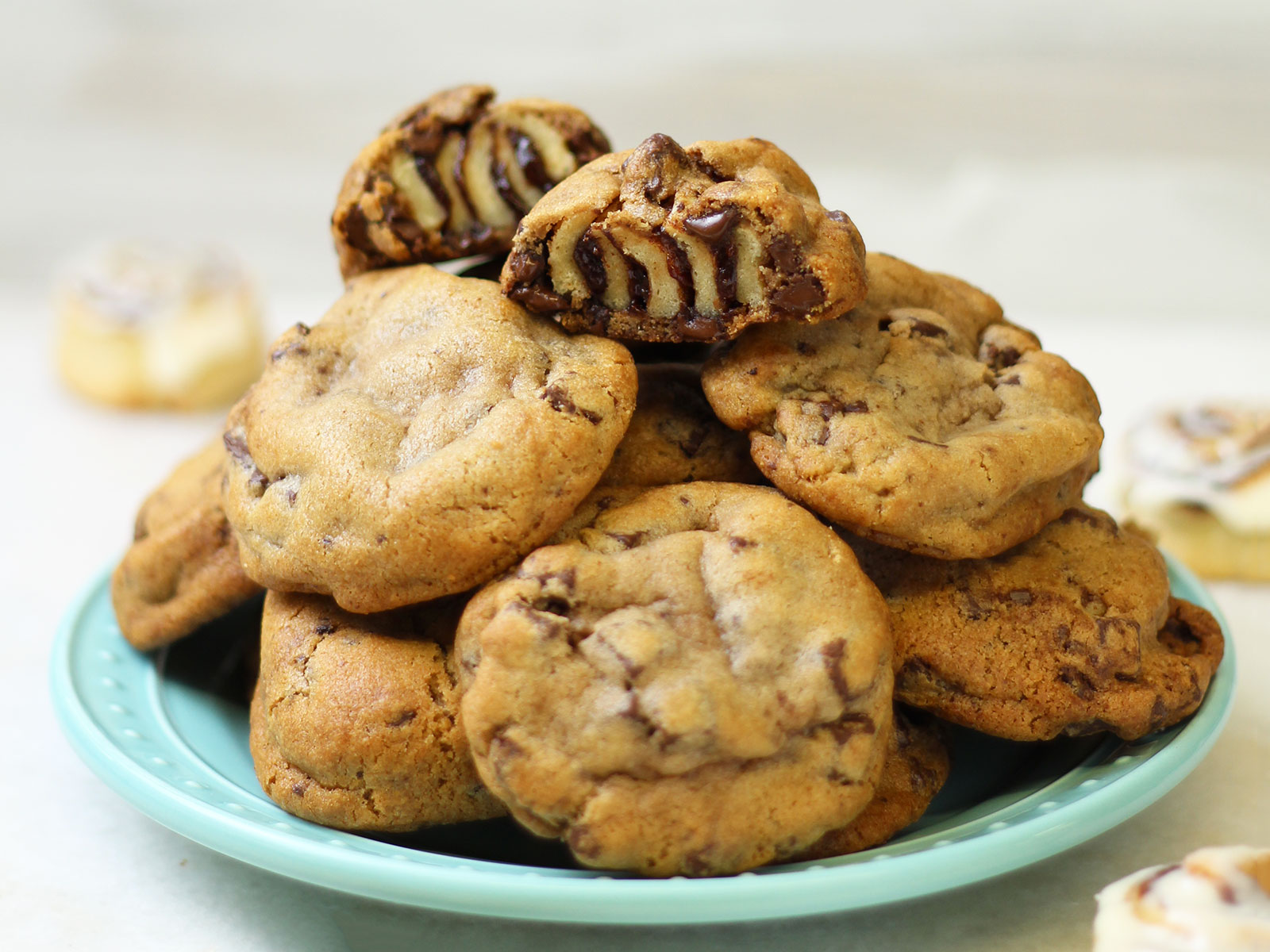 EC: Cinnabon Unleashes a Cookie-Cinnamon Bun Mashup