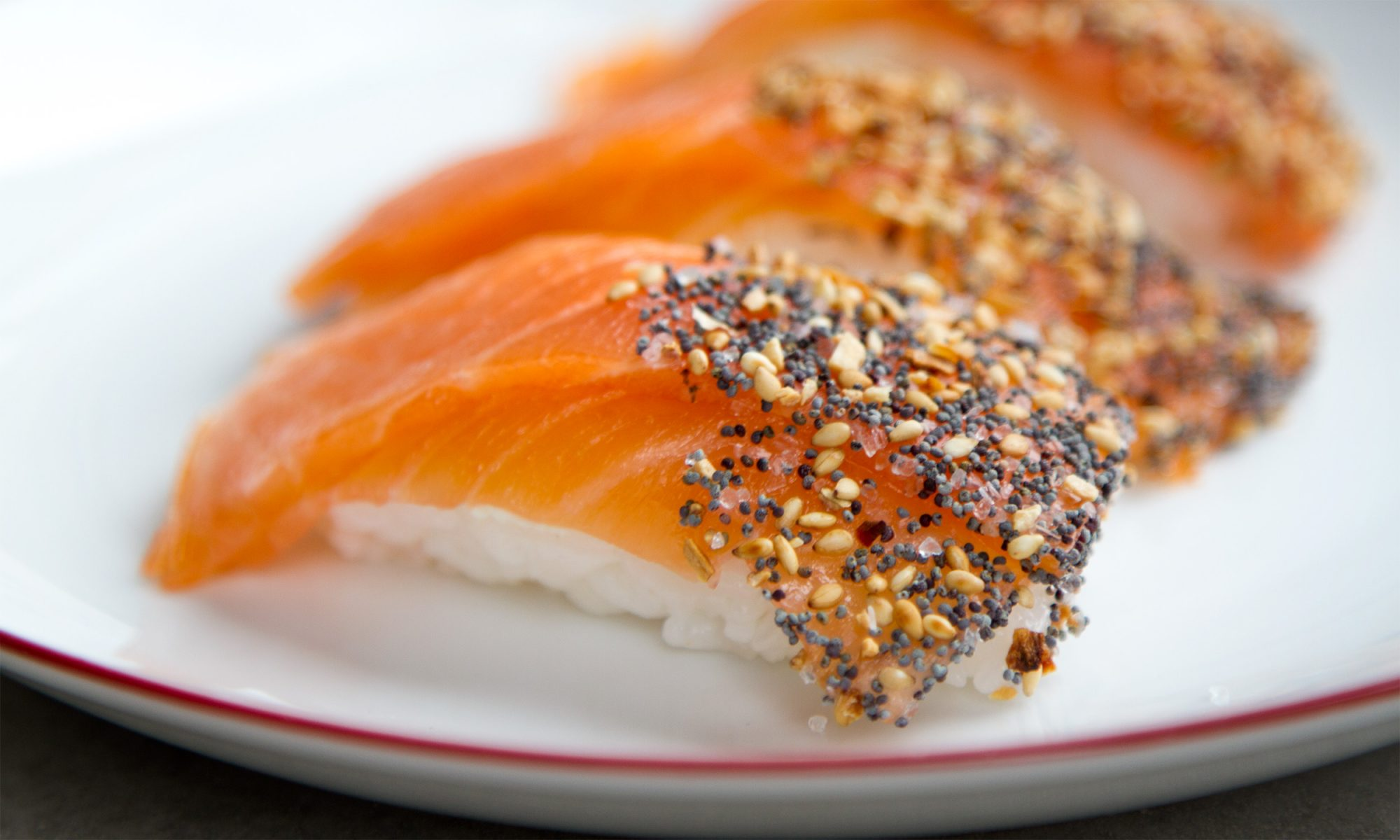 Breakfast Sushi with Everything Bagel Seasoning and Lox