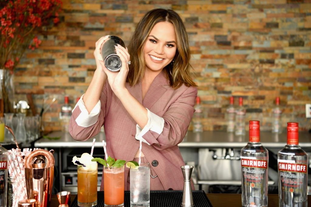 EC: Chrissy Teigen Has a Brilliant Bagel Order