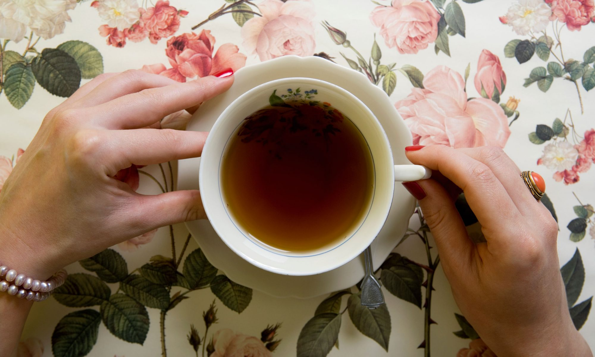 EC: What Makes Earl Grey Tea Different from Other Black Teas?