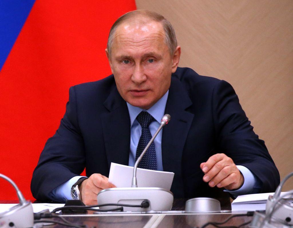 EC: This Is Vladimir Putin's Morning Routine
