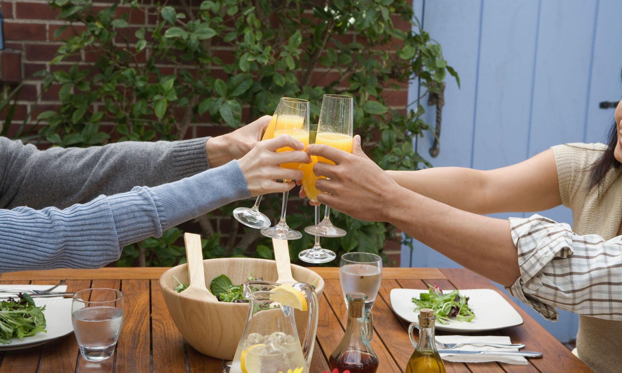 mimosas at bottomless brunch