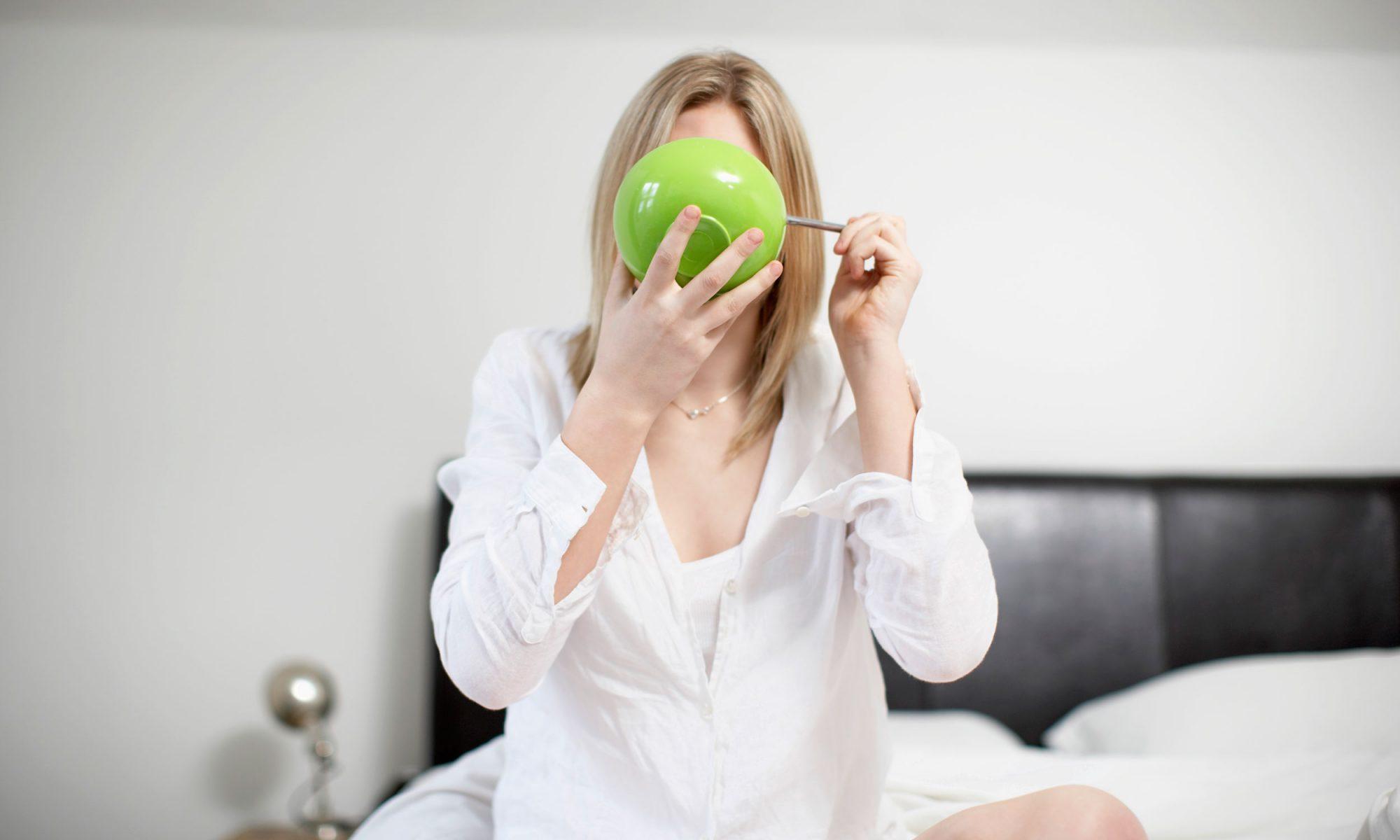 EC: In Defense of Feminine Eating