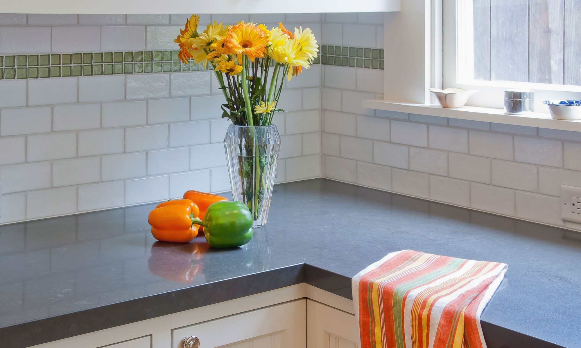 EC: How to Get Lingering Smells Out of Your Kitchen
