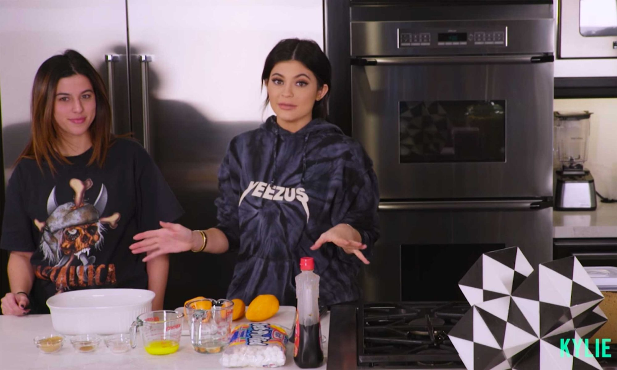 EC: What Kylie Jenner Eats for Breakfast Every Day Seems Surprisingly Tasty
