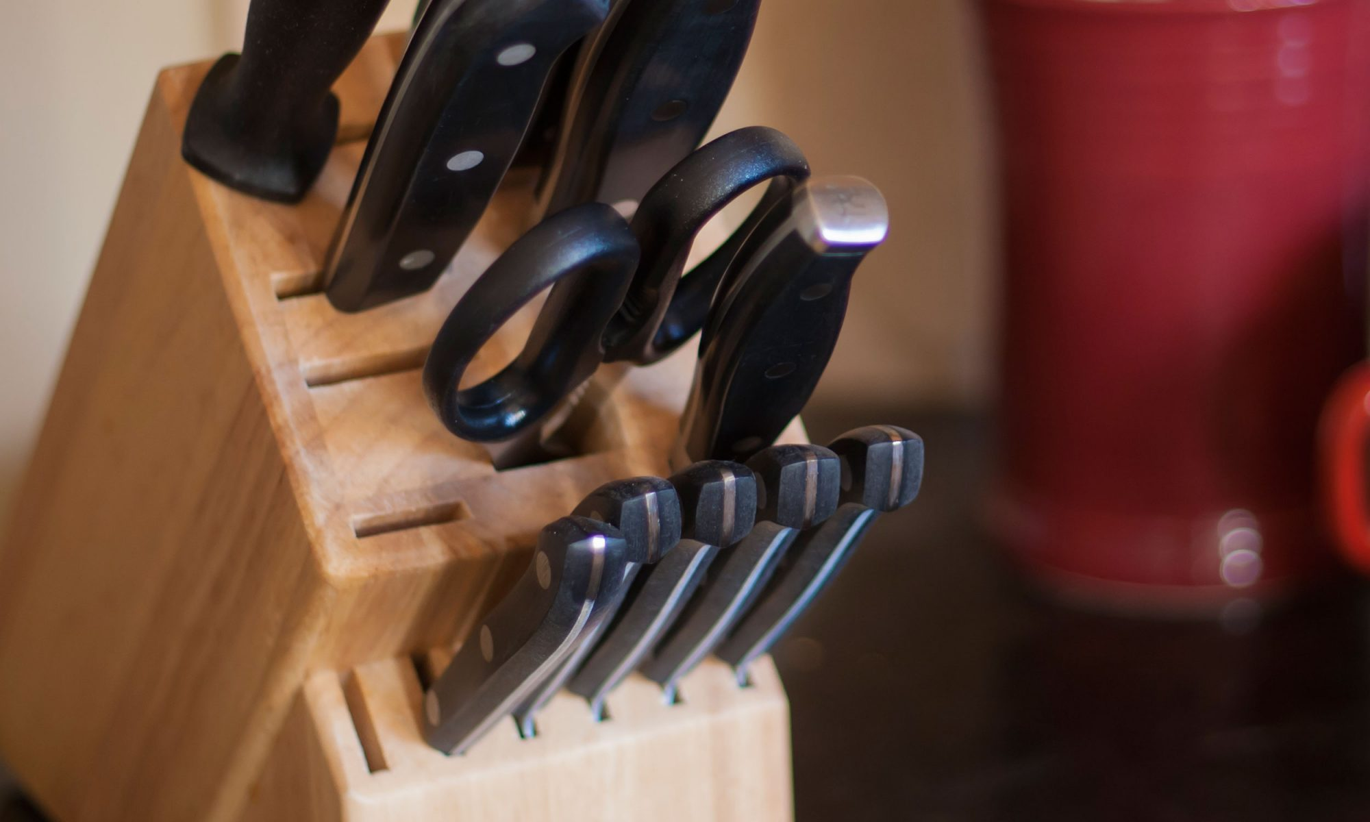 EC: How to Clean Your Truly Disgusting Knife Block