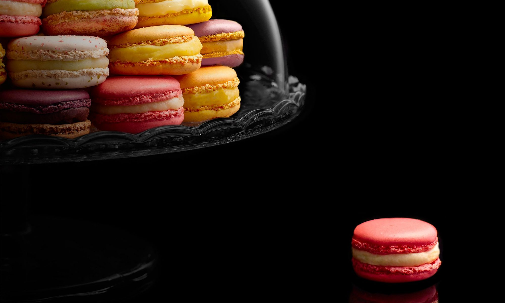 EC: You Can Buy the World's Most Expensive Macaron for $9,703