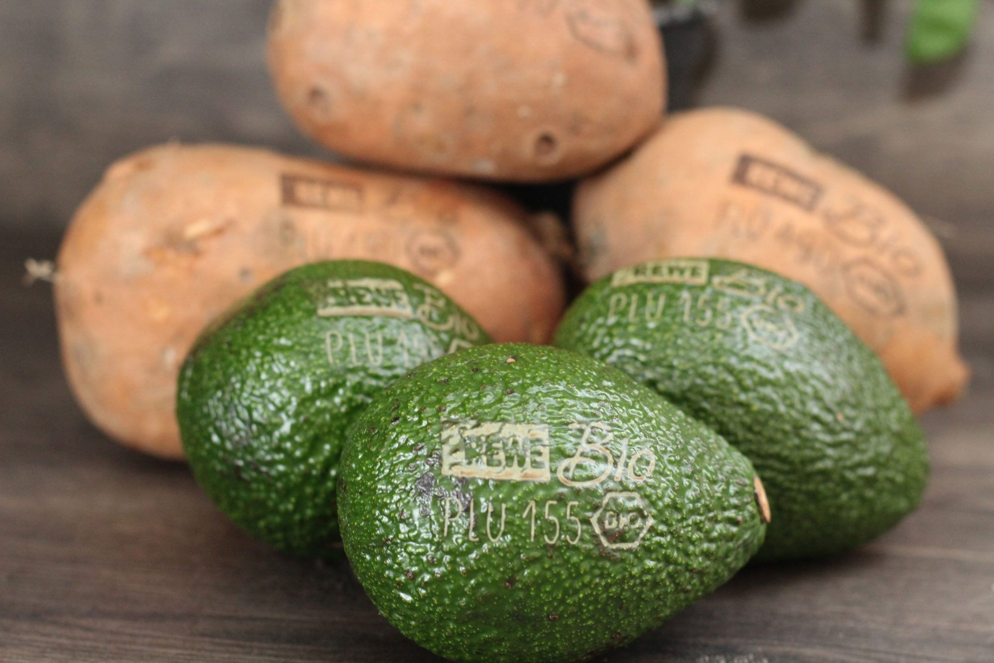 EC: A Woman Allegedly Found a Bullet Inside Her Avocado