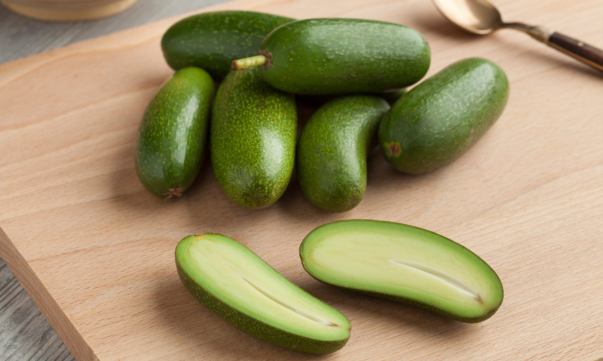 EC: A UK Grocery Chain Is Selling a Pitless Avocado