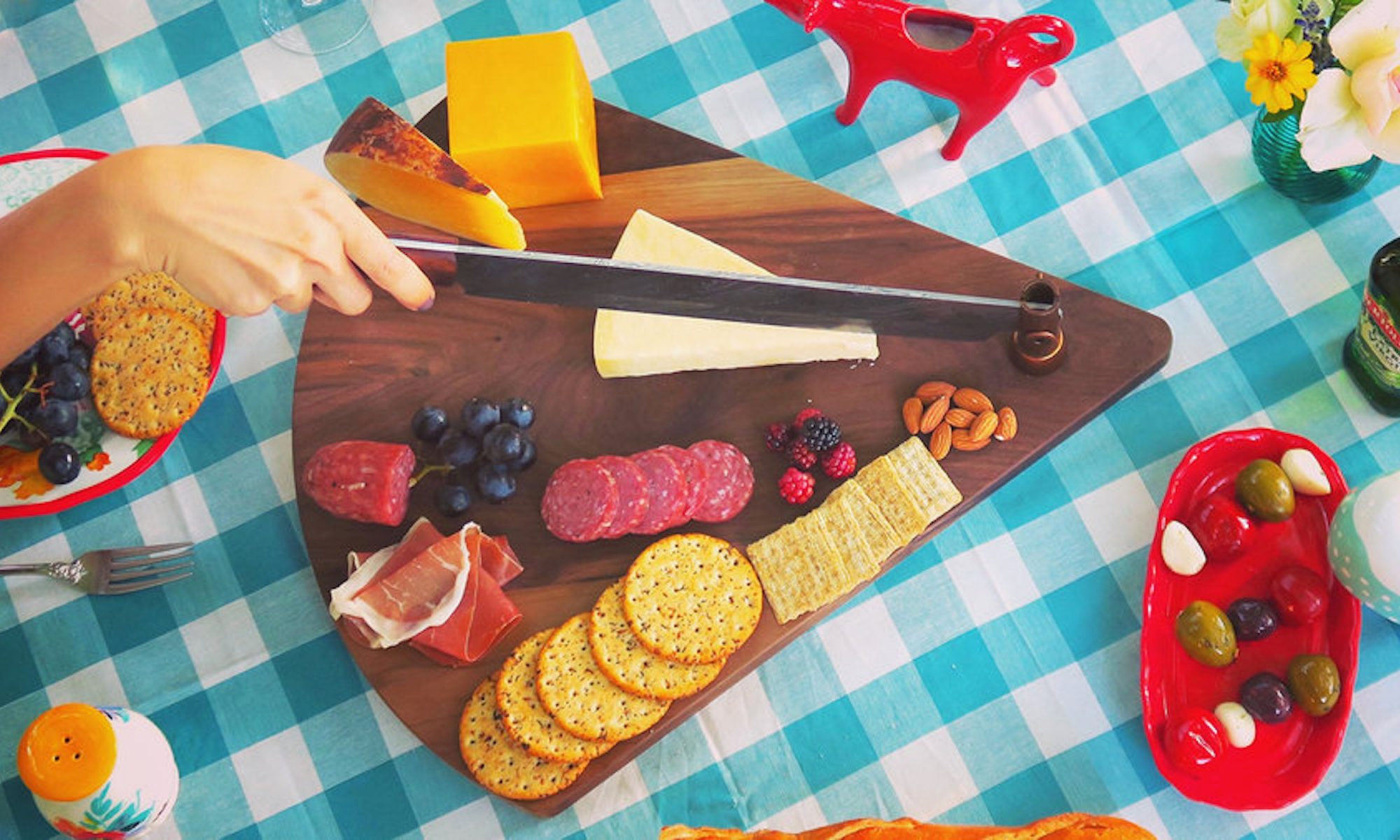 EC: This Two-in-One Cutting Board and Knife Will Make You a Better Chopper