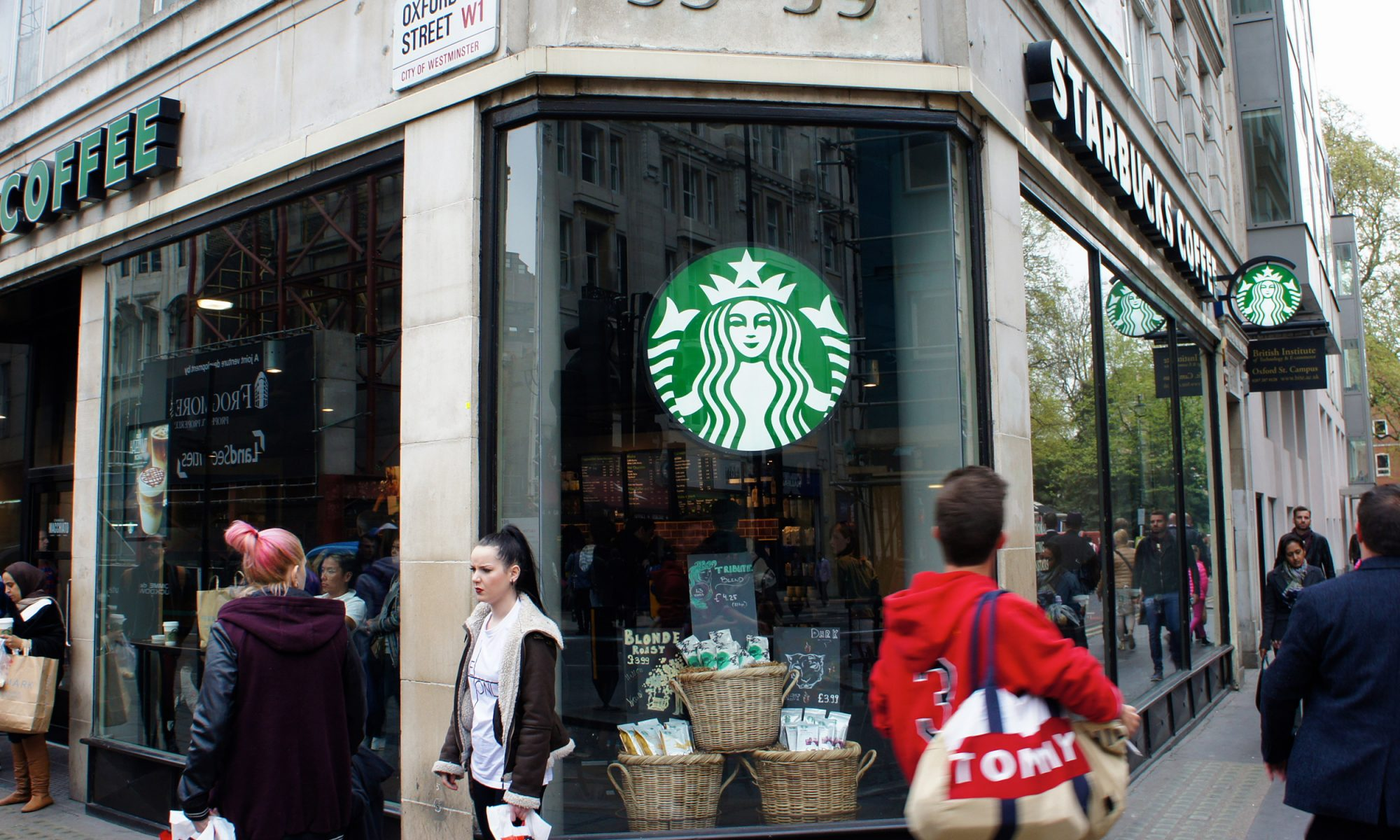 EC: Starbucks Is Preventing a Mom and Pop Restaurant from Selling Coffee