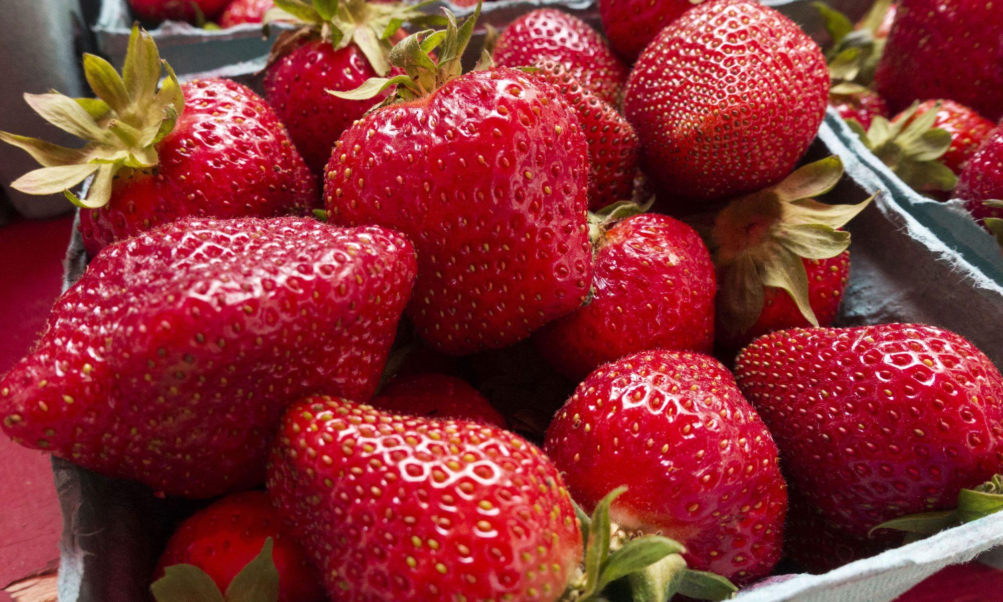 EC: Roasting Fruit Is the Quickest Way to Make Breakfast Fancy