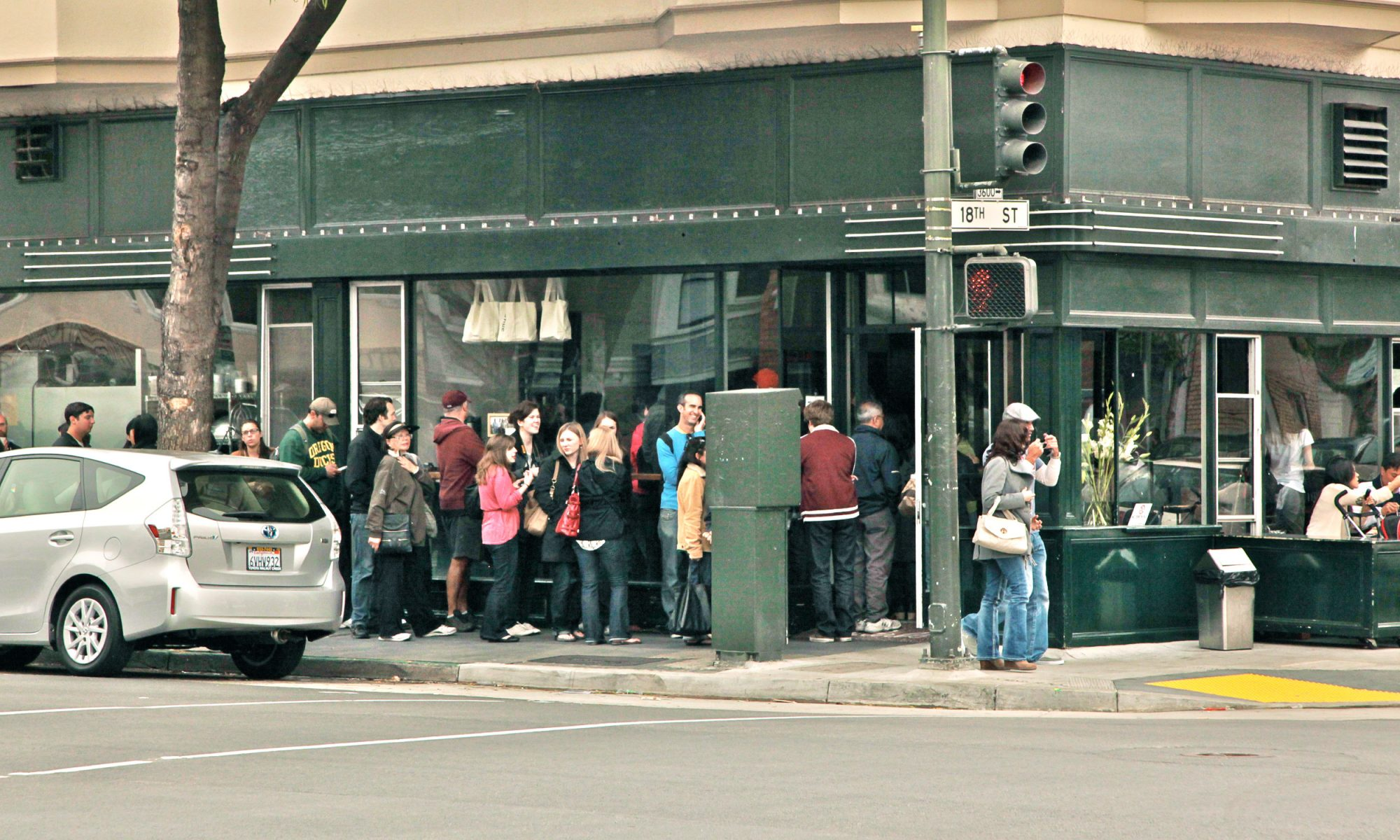EC: Tartine Bakery Has Been Open for 15 Years, and There's Still a Line