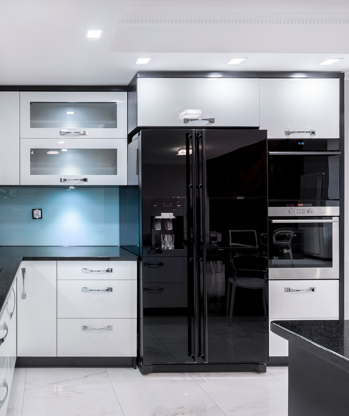 Black Stainless Steel Appliances Are the Hot Kitchen Trend We've Been Waiting For