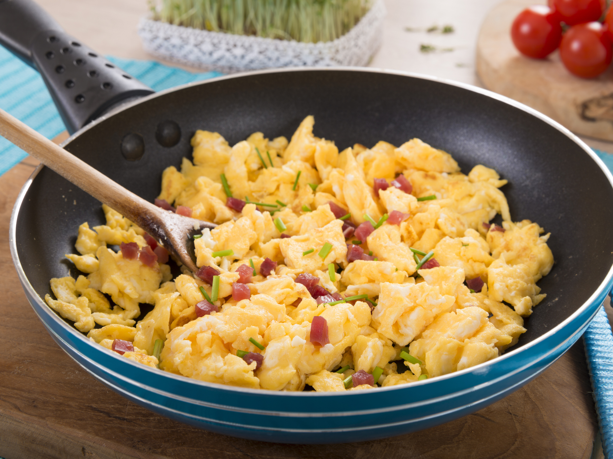 ECaquafaba-scrambled-eggs