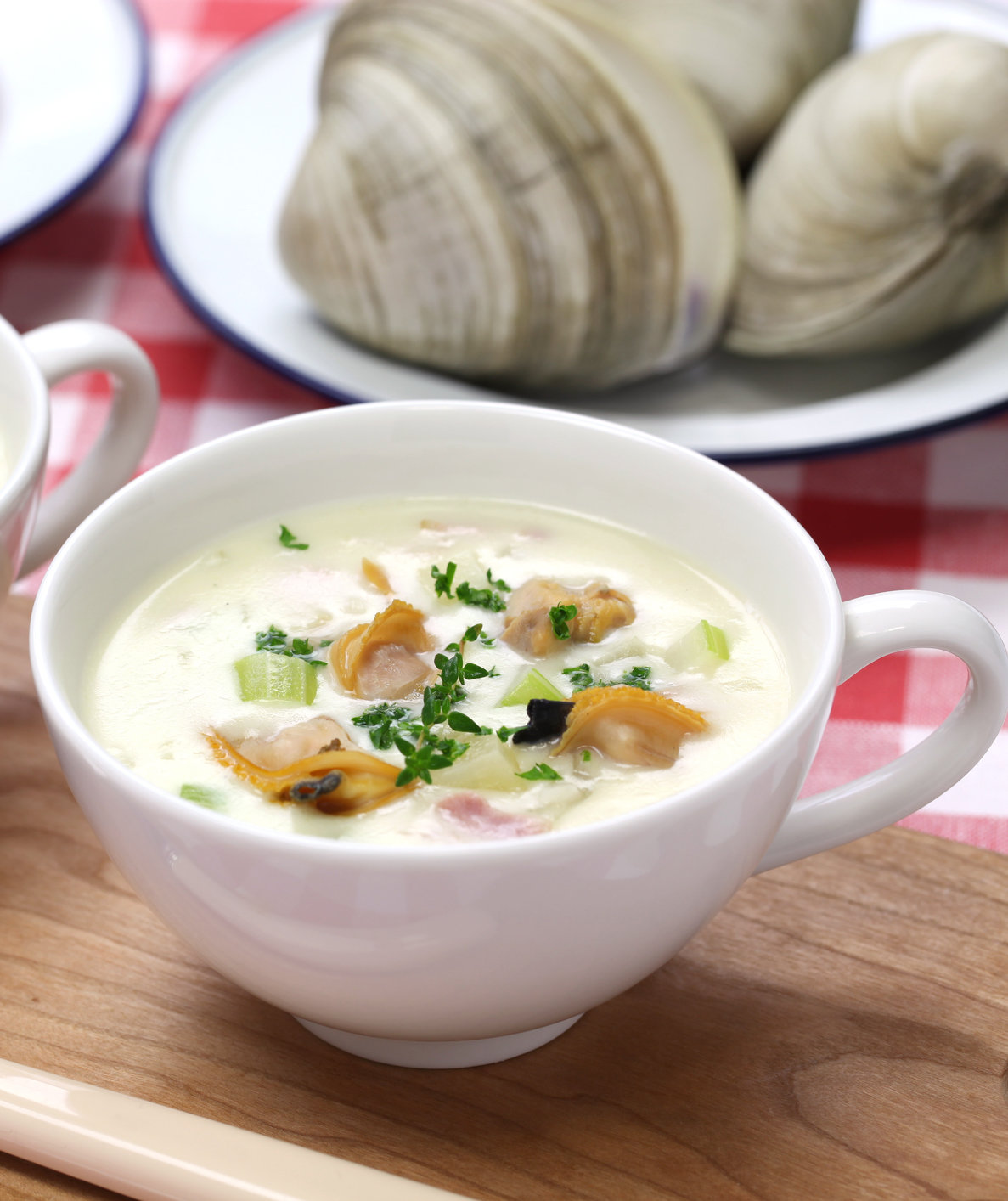 Manhattan and New England Clam Chowder: What's the Difference?