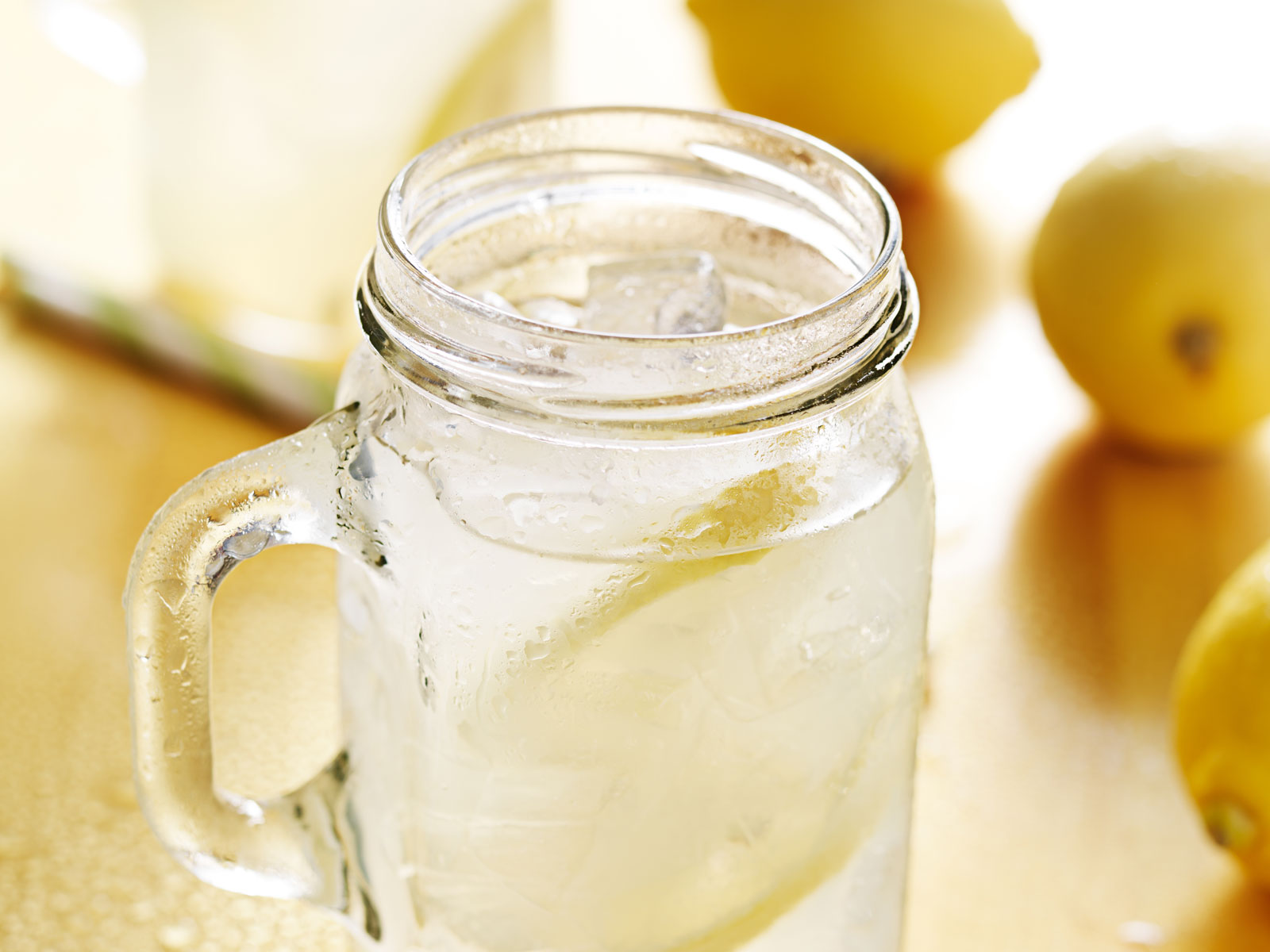 Applebee's March Drink Special Is an Absolut Vodka Lemonade (But It'll Cost You Double)