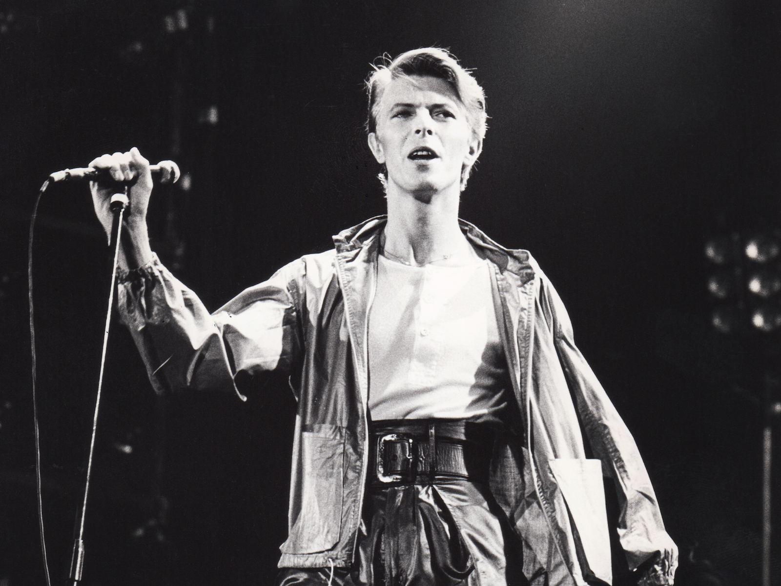 Drink to David Bowie With Cocktails Inspired by Ziggy Stardust and Major Tom