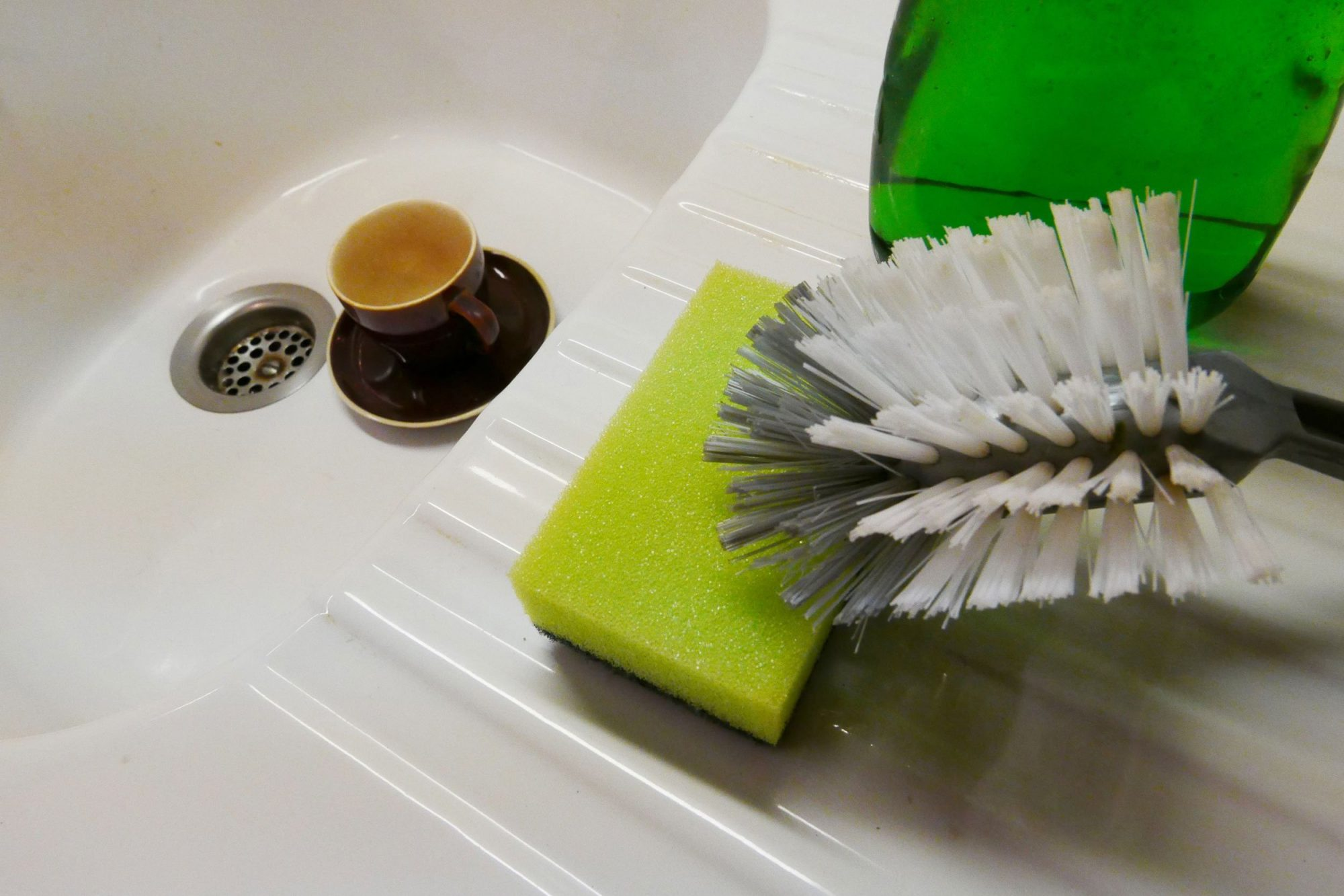 EC: When Should You Throw Out Your Sponge?