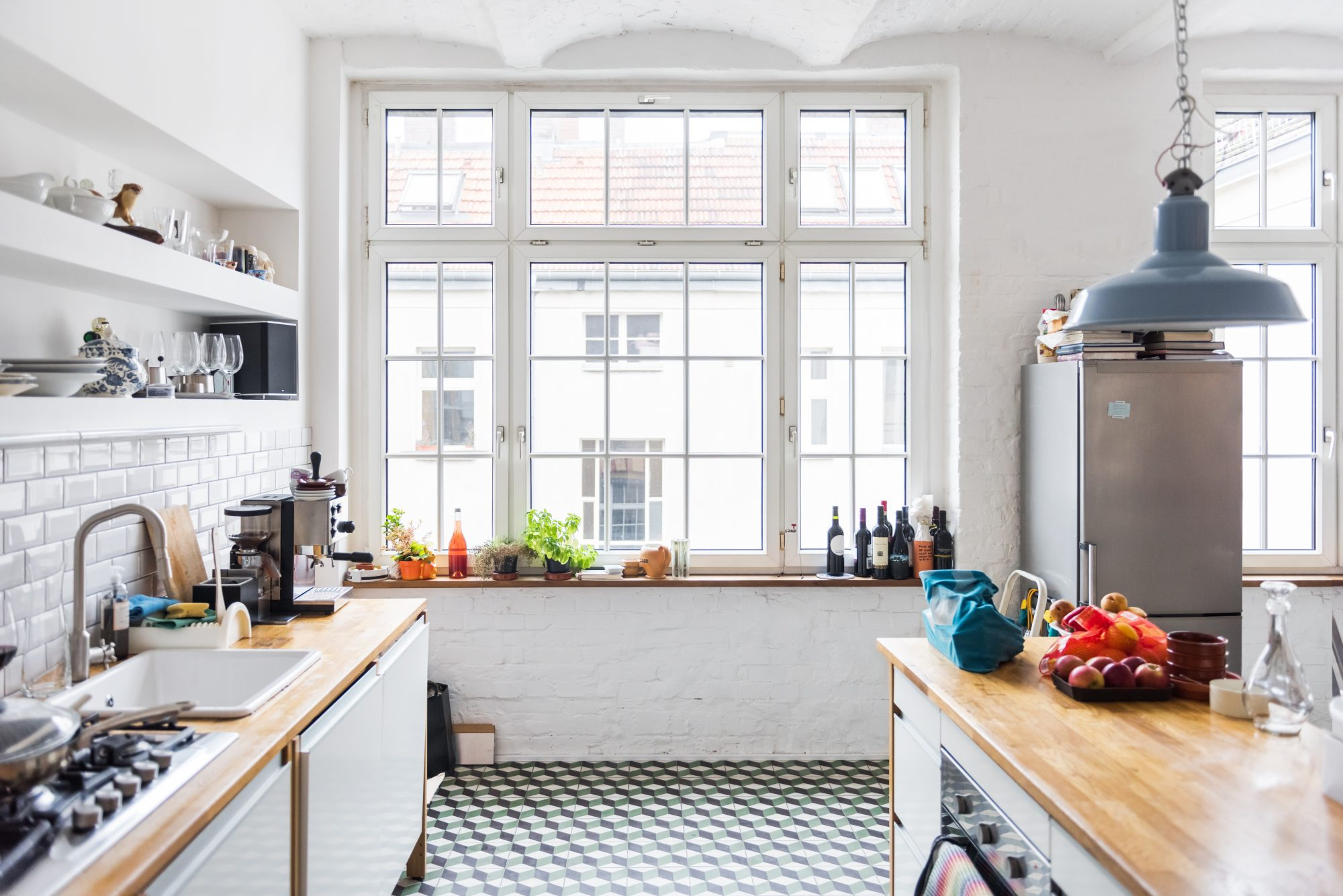 6 Natural Ways To Repel Bugs in Your Kitchen
