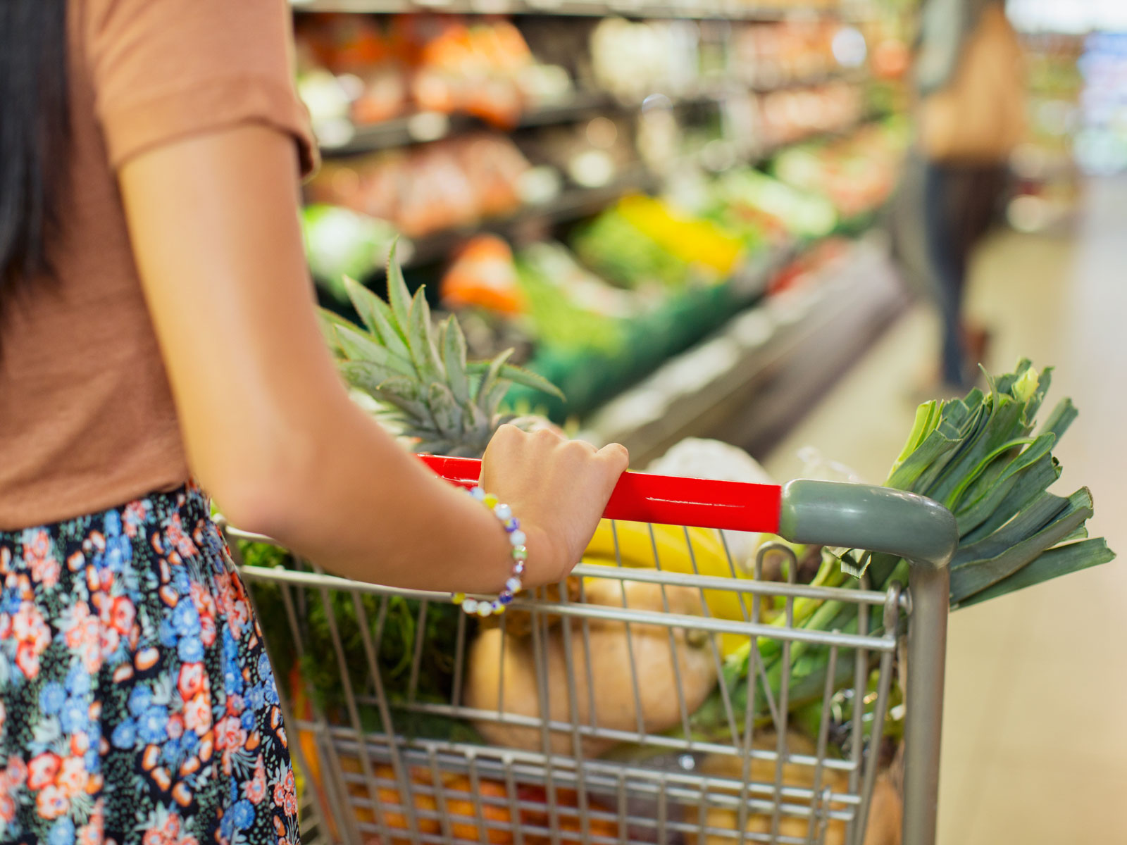 We Asked for Our Readers' Best Grocery Shopping Strategies, Here's What You Said