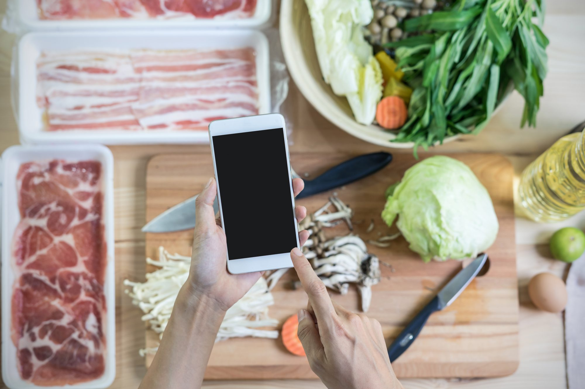 getty-cooking-with-smartphone-image