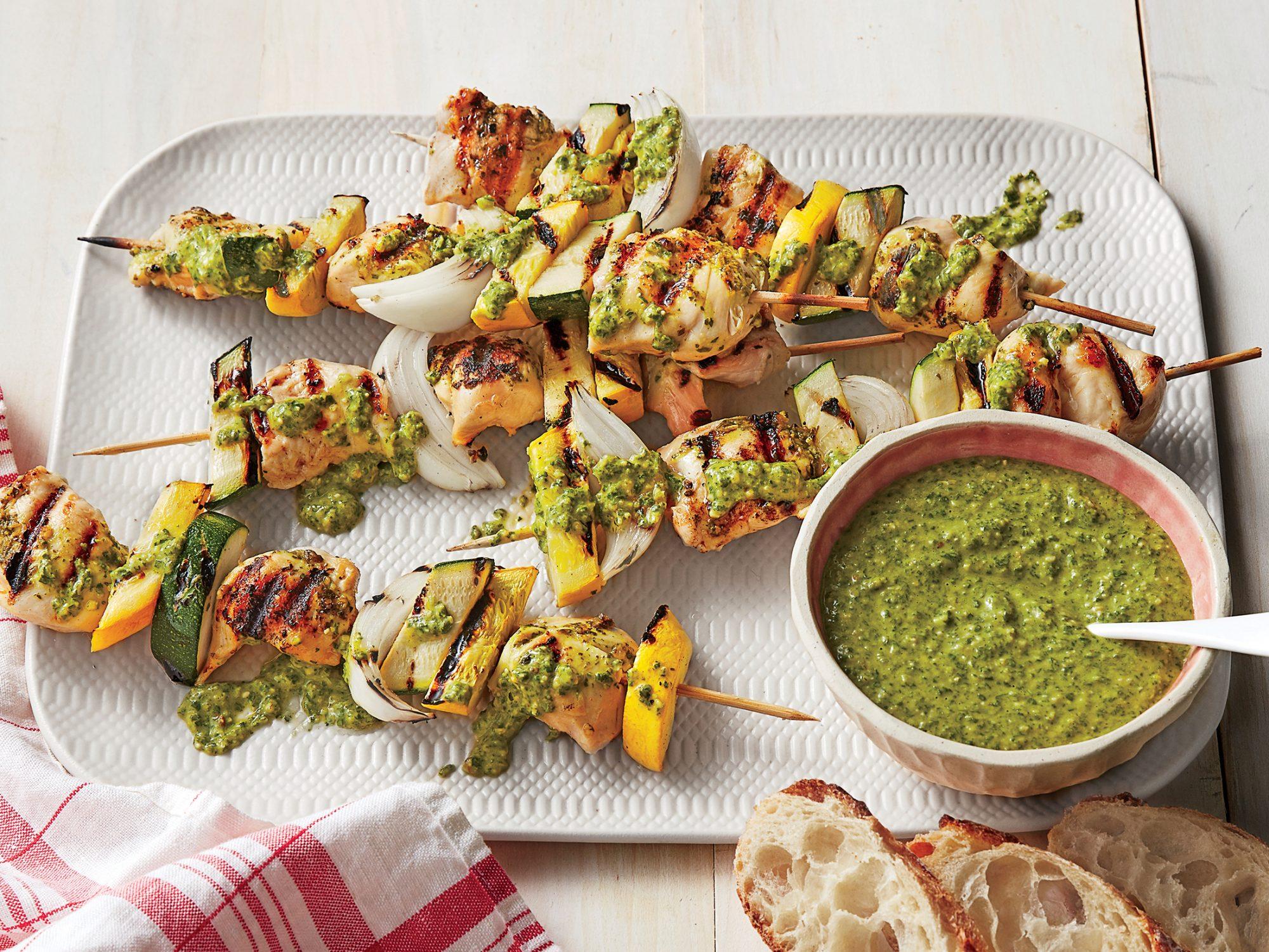 sl-Grilled Chicken Kebabs with Arugula Pesto